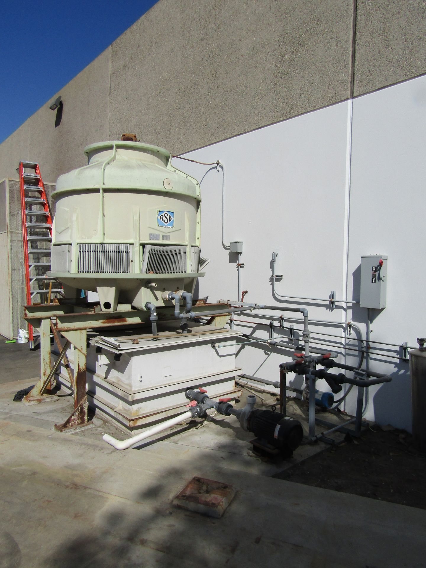 Lot 16 - RSD Cooling Tower, Model 05.0, Serial 01074, Motor 1.5 Hp, 230/460 V, 3 Phase, Water Cooling