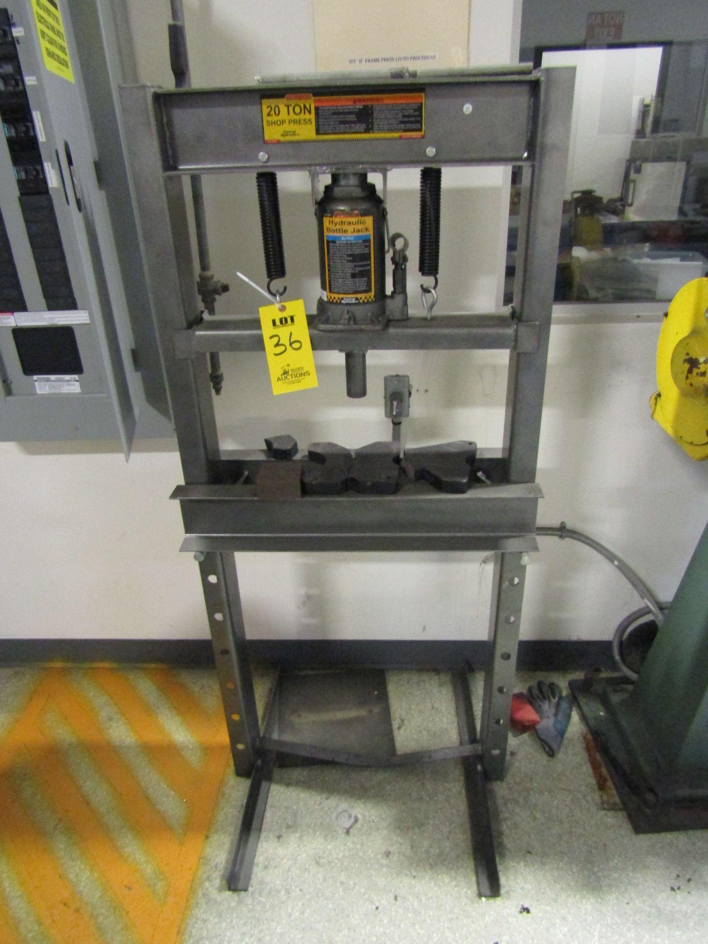 Lot 36 - CENTRAL MACHINERY Shop Press 20 Ton,