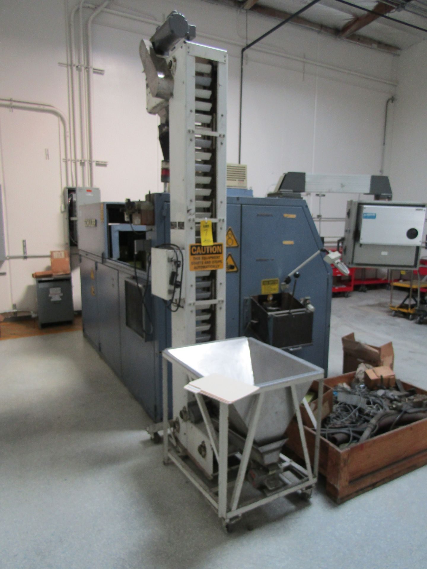 Lot 7 - WHIZ Lifter Bucket Elevator (Used with Schuler Press)