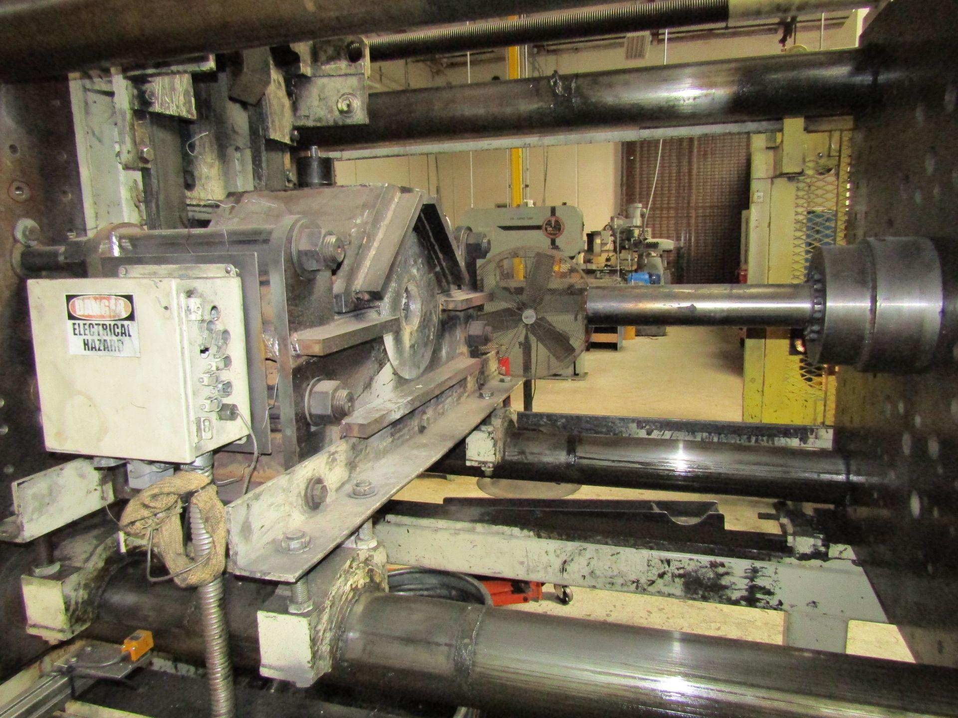 Lot 8 - 1992 MITSUBISHI 610 MG-110 4 Post Horizontal Extrusion Press With Electrical Controls, Operator