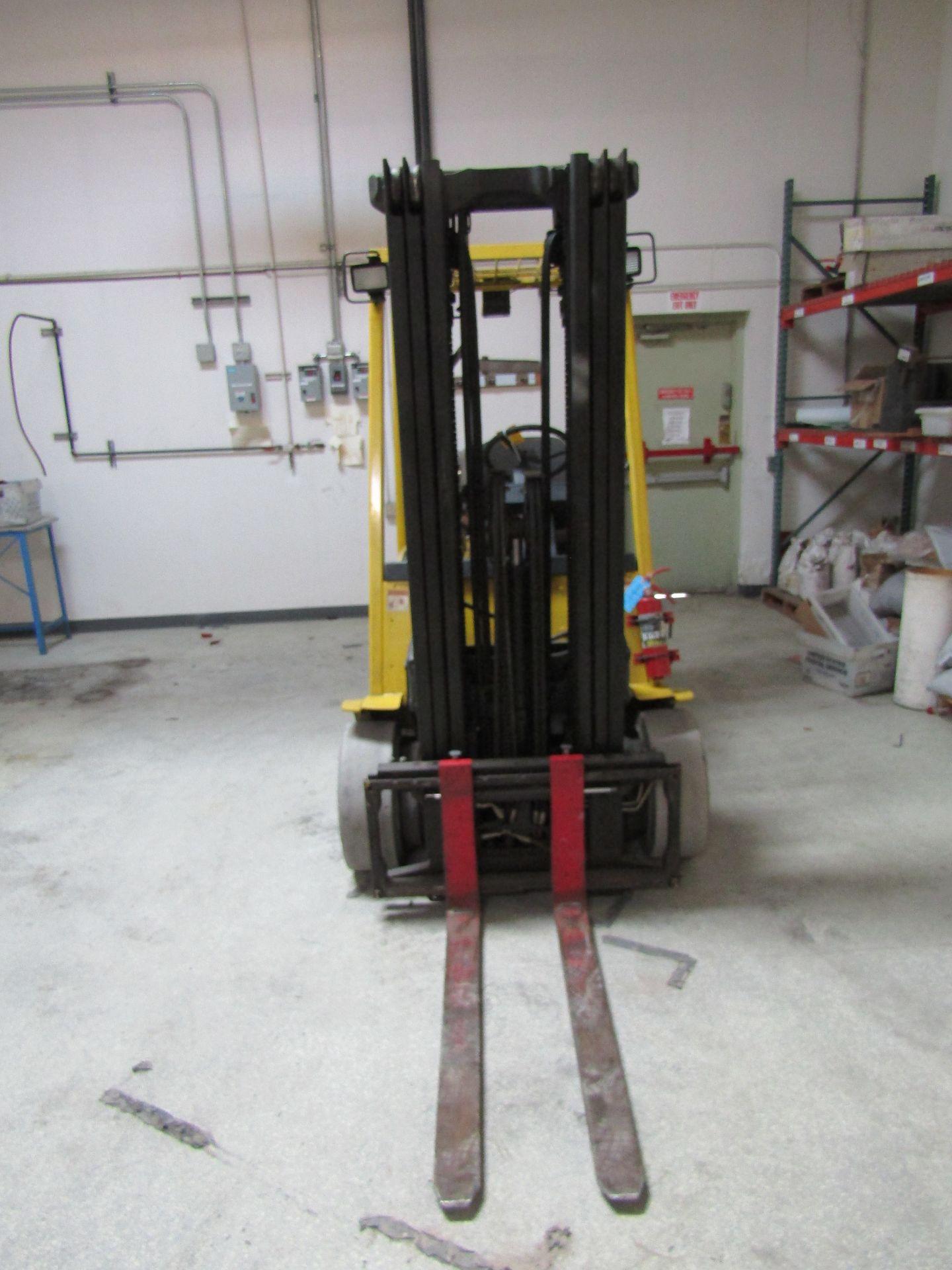 Lot 22 - HYSTER S50XM Forklift, 3 Mast, Side Shift, Serial D187U256982, 4,400 LB Cap, Weight 8970 LB, Front