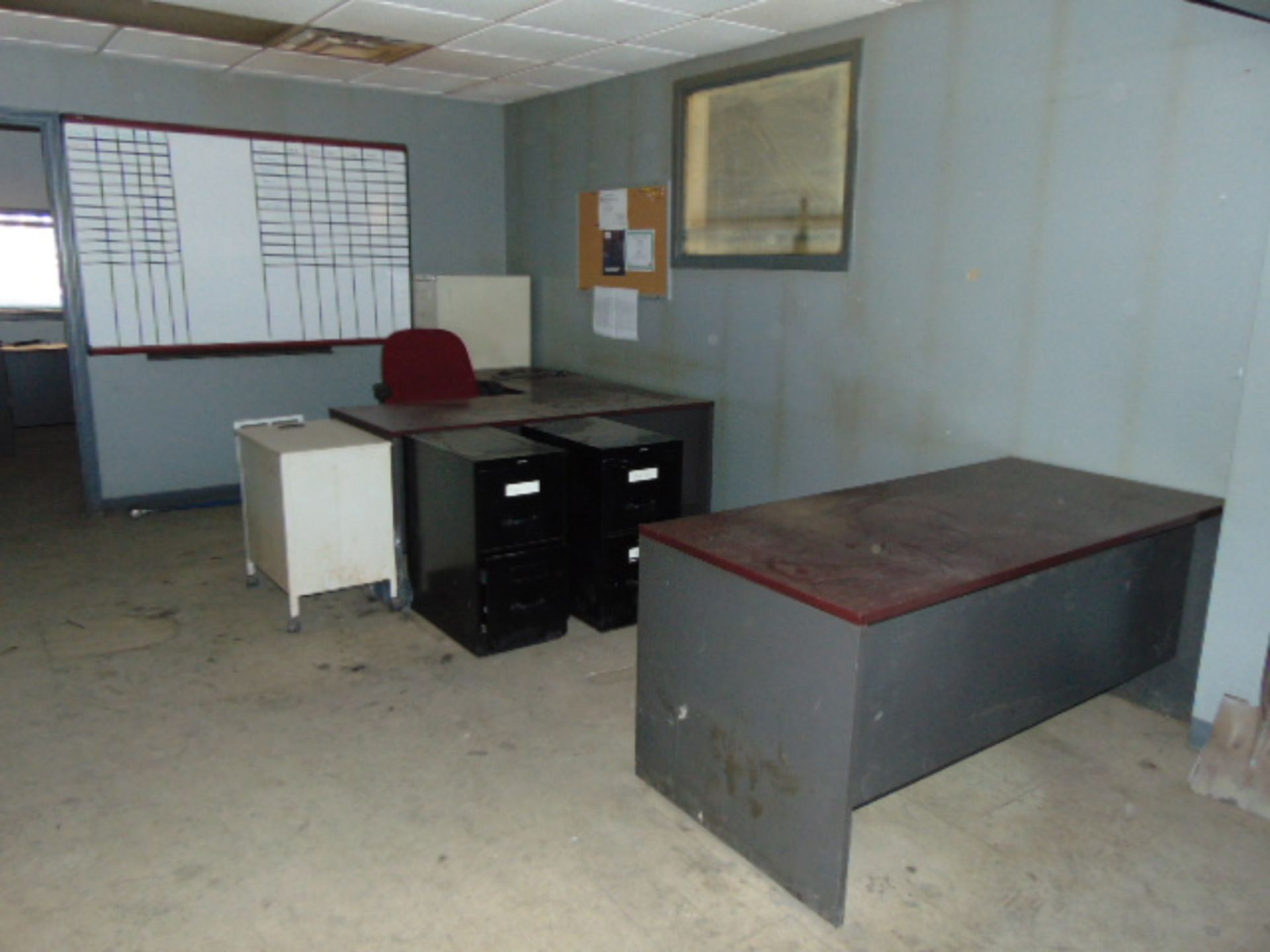 Lot 267A - LOT OF OFFICE FURNITURE, assorted (located upstairs)