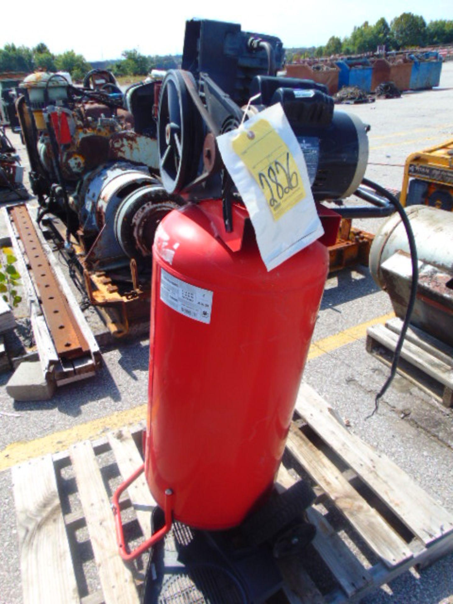 Lot 2826 - VERTICAL AIR COMPRESSOR, HUSKY, HP SPL
