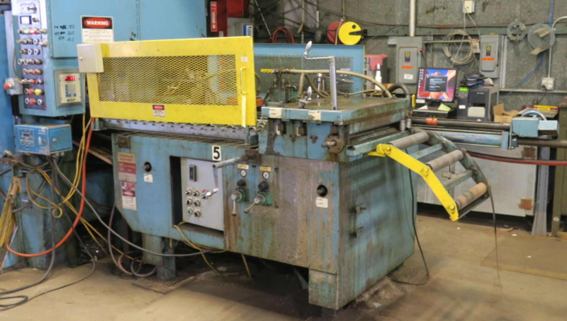 "Lot 2 - AIR OPERATED FEEDER, AIR FEEDS MDL. AF2 CABINET STYLE, 24"" material width, 36' max. stroke, adj. ht."