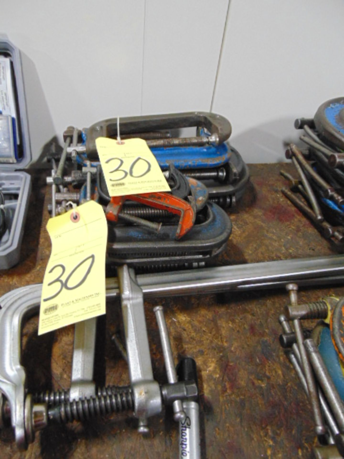 Lot 30 - LOT CONSISTING OF: c-clamps & bar clamps