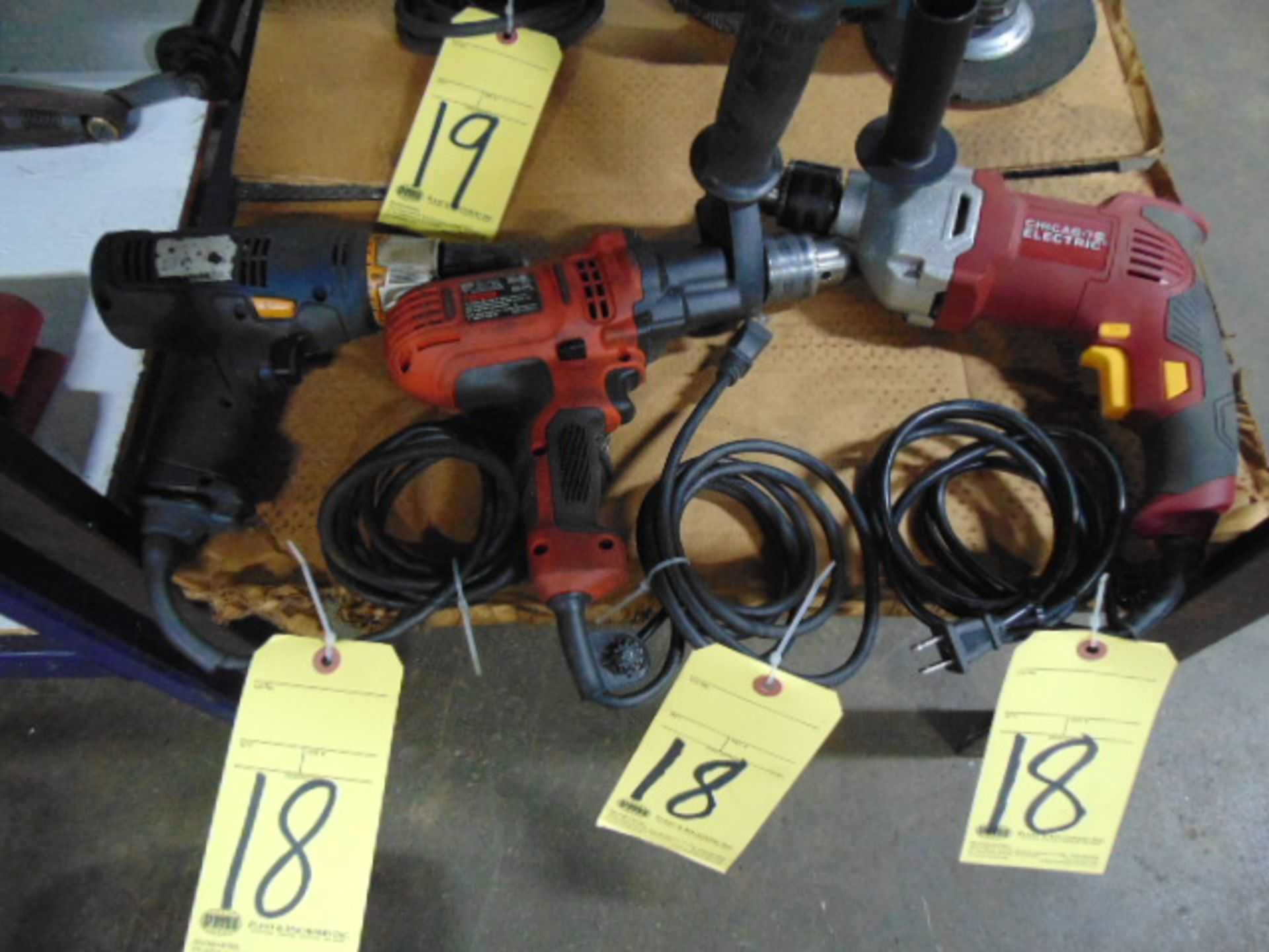 Lot 18 - LOT OF ELECTRIC DRILLS (3), assorted