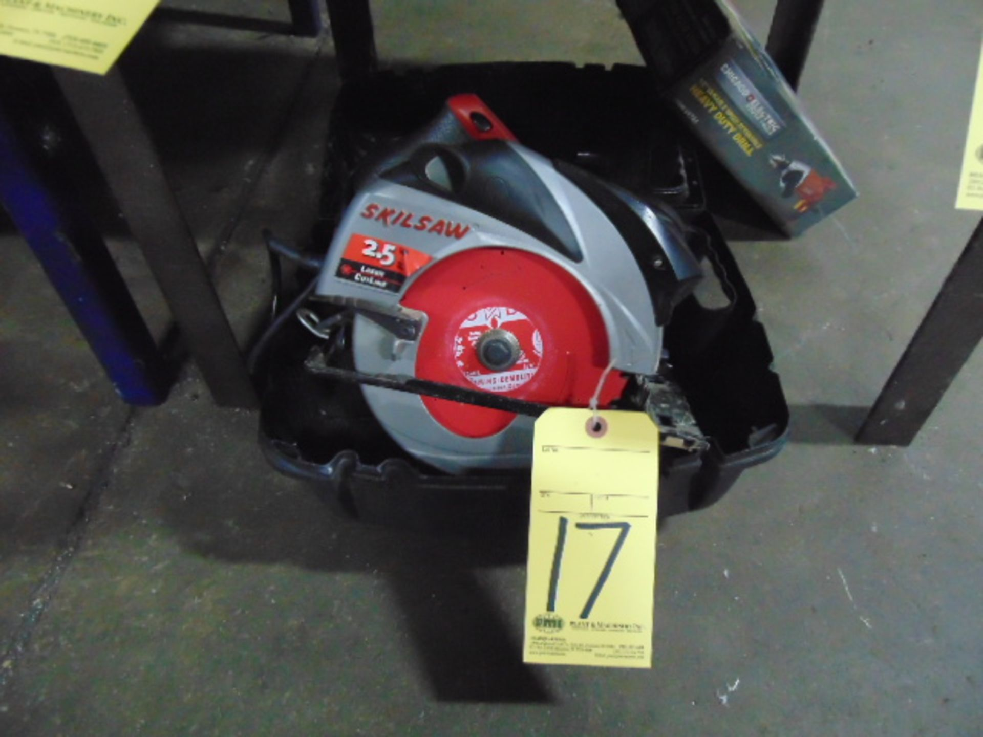 "Lot 17 - CIRCULAR SAW, SKILSAW, 2-1/2 HP laser cutline, 7-1/4"" blade"