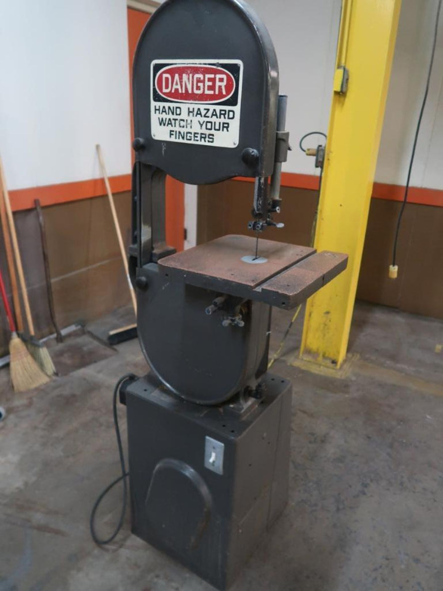 Lot 18 - Rockwell Vertical Band Saw Model 28-30C