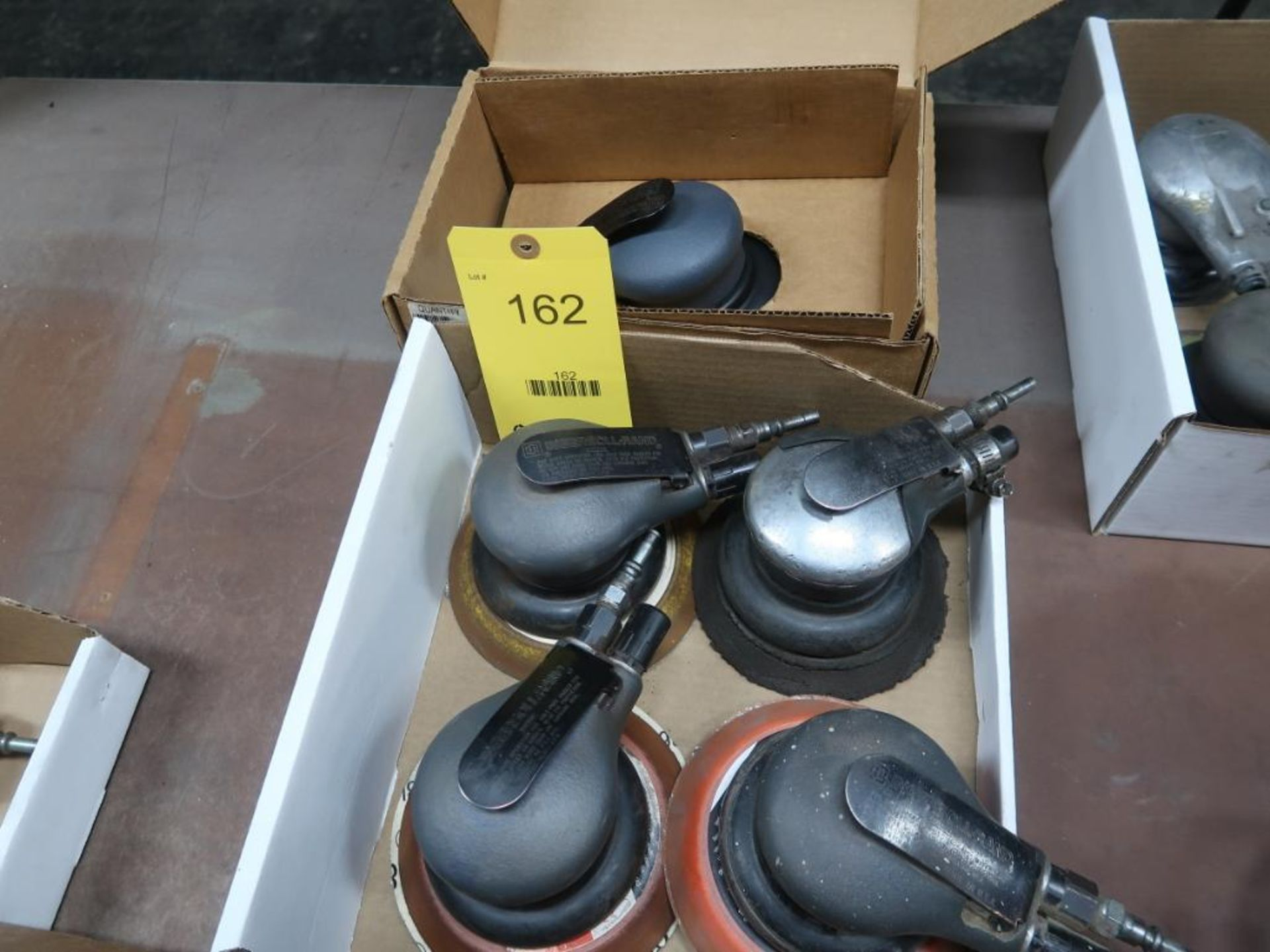 Lotto 162 - LOT: (6) Pneumatic Orbital Sanders