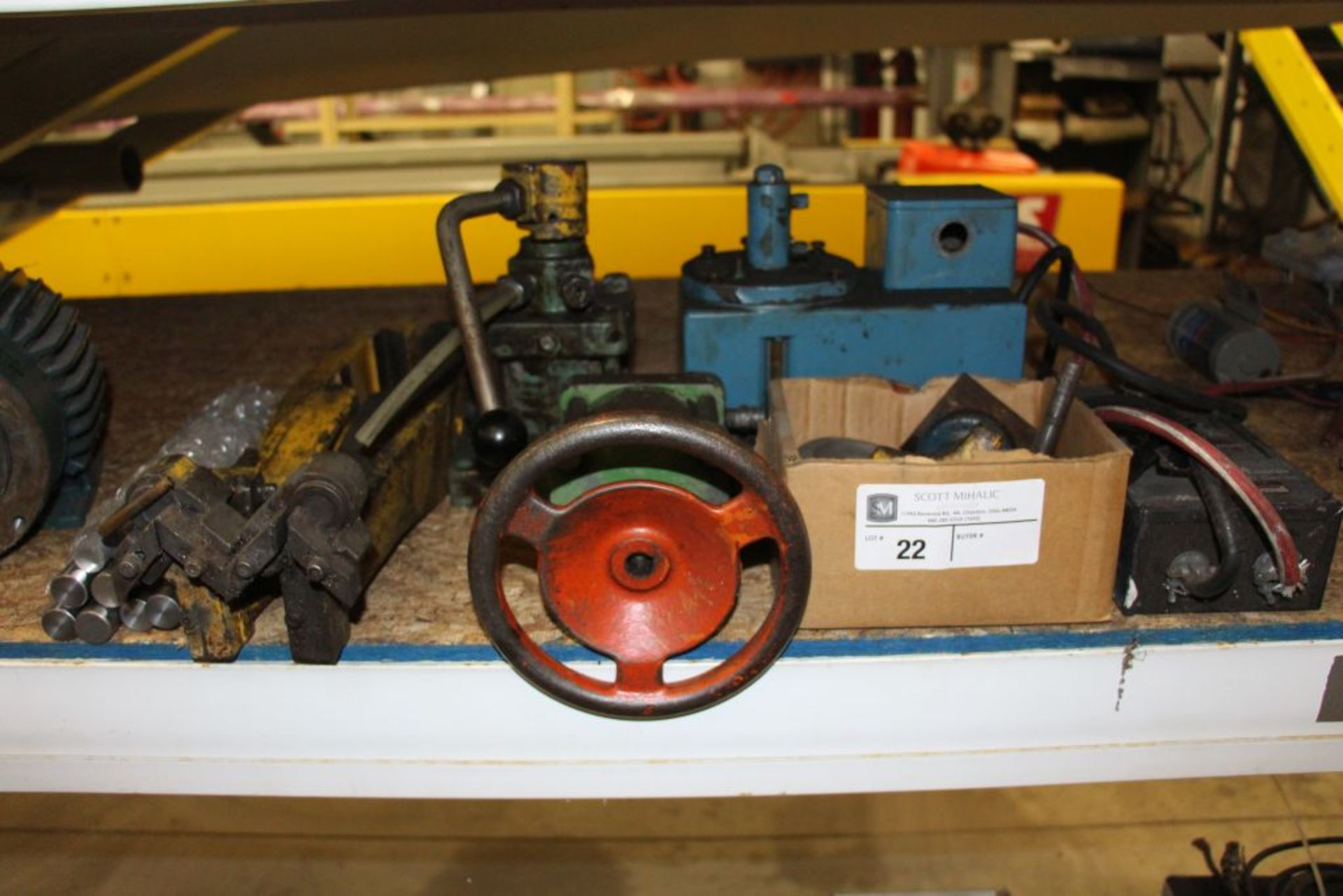 Lot 22 - assortment of Spare Parts Do all Saw