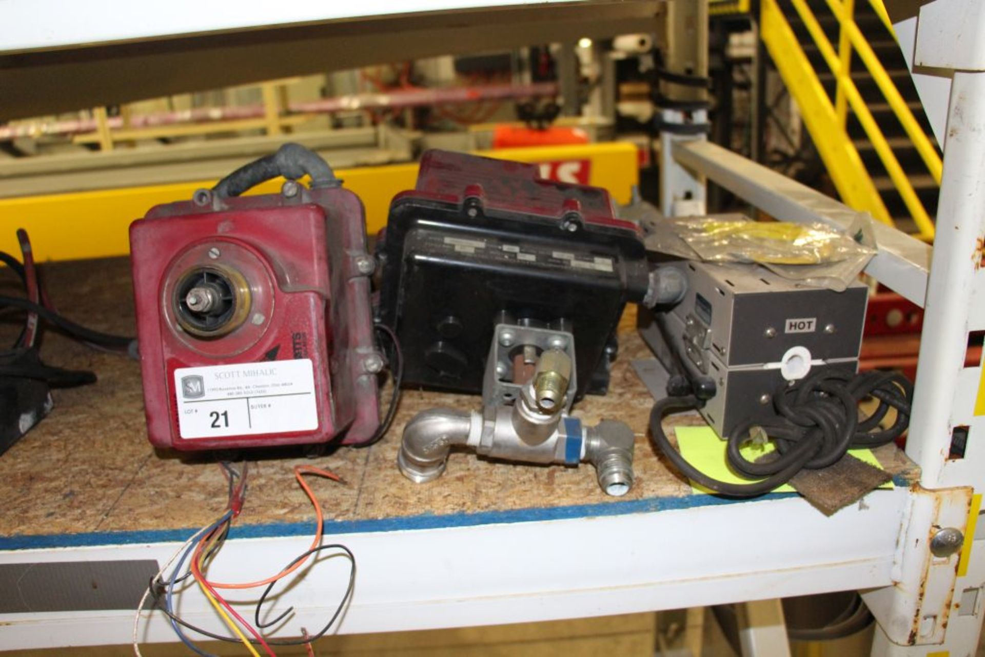 Lot 21 - assortment of Explosion Proof Valves