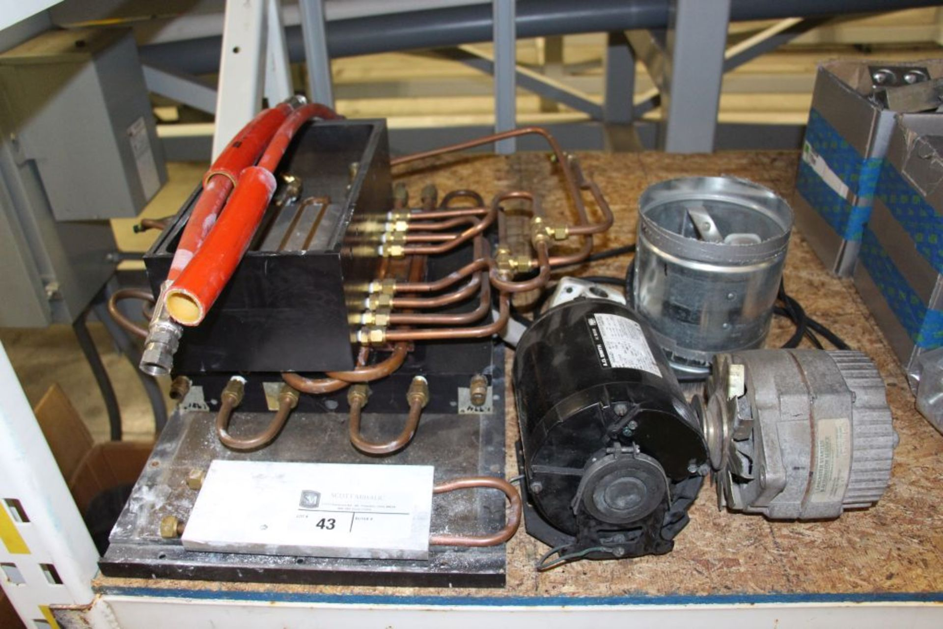 Lot 43 - Construct / Motor /