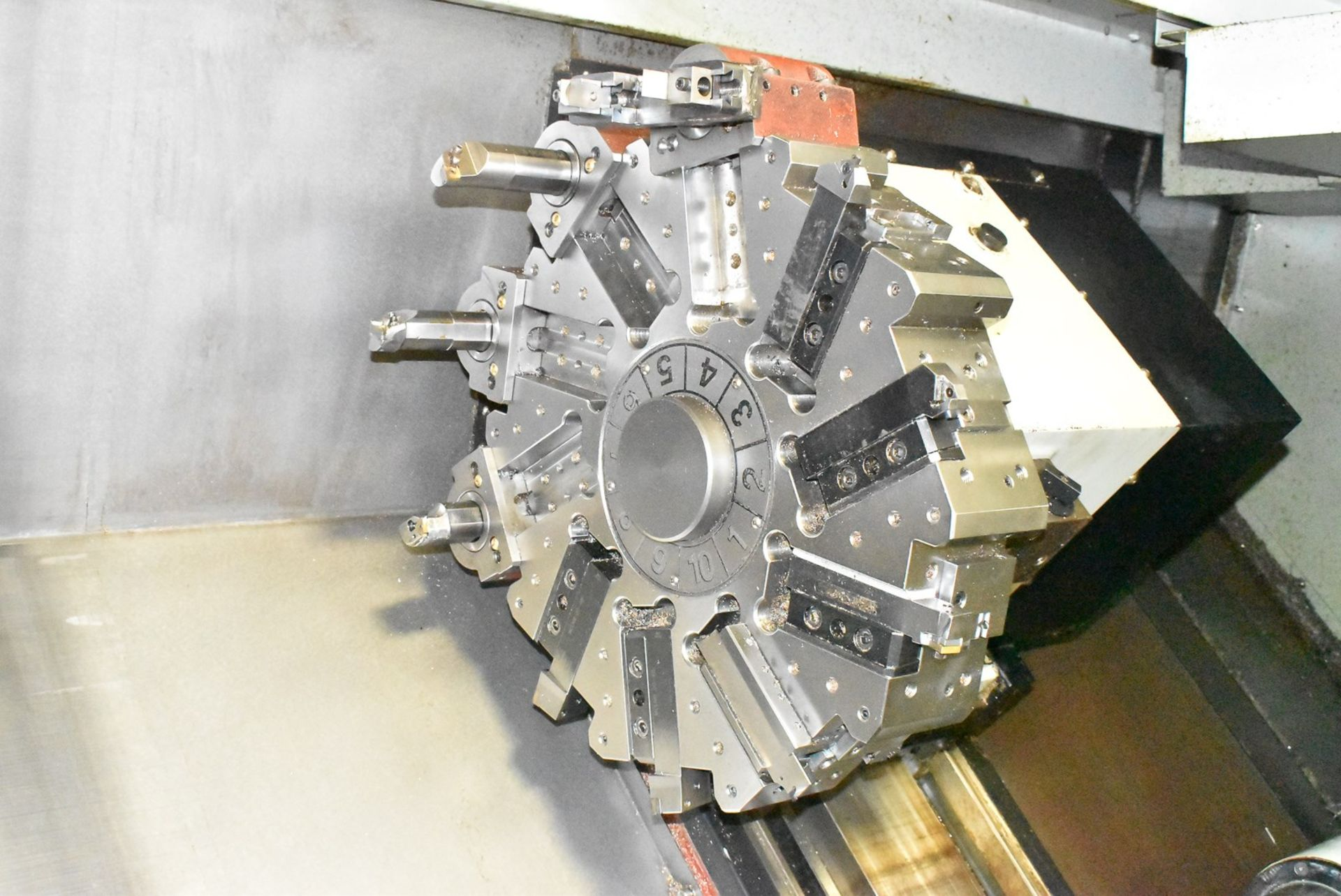 "Lot 44 - 21.65""x35"" Victor (Fortune) Mdl Vturn-36 -Axis CNC lathe, S/N ML-1636, New 2007"