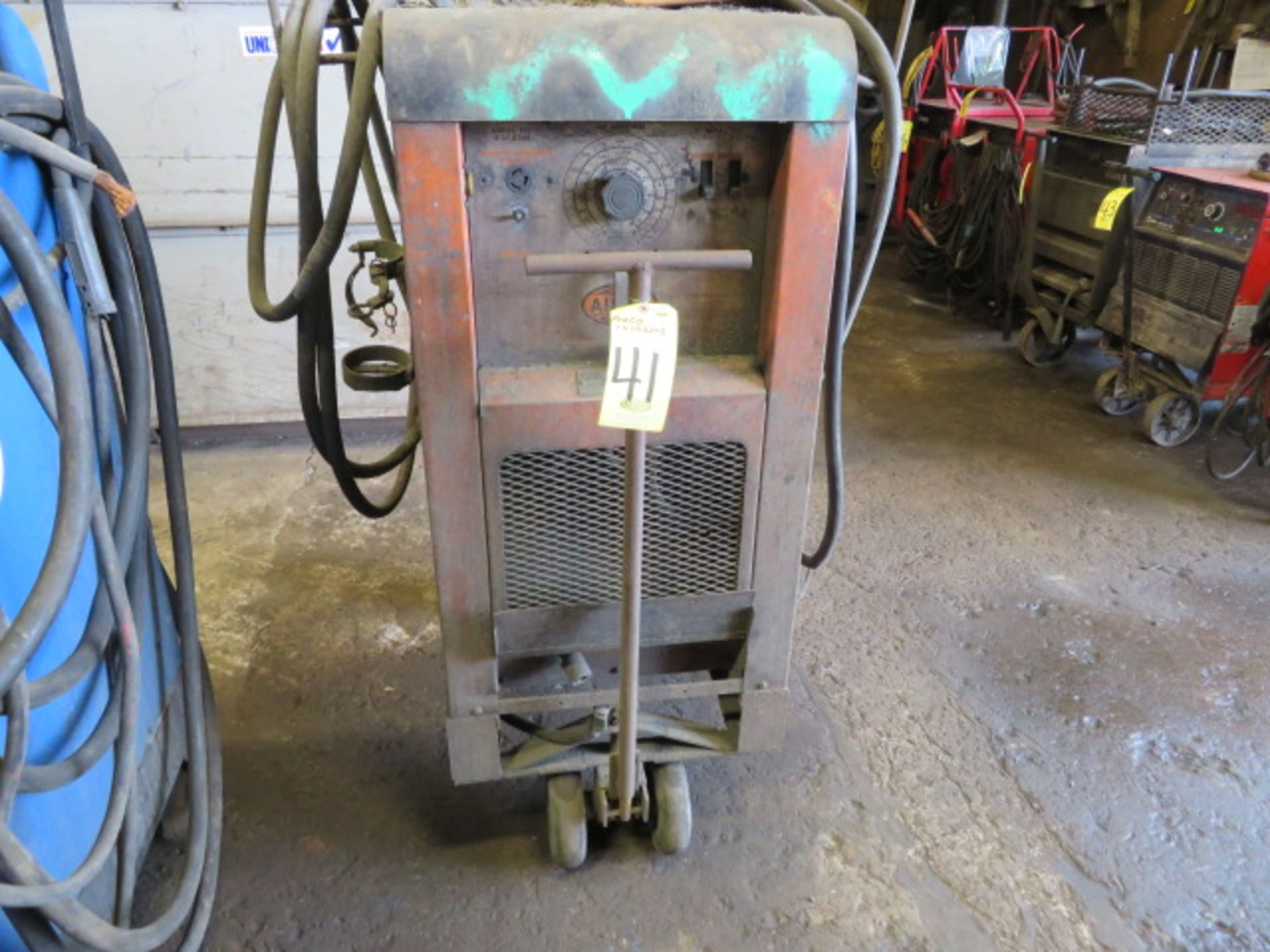 Lot 41 - AIRCO 4DCB24B TIG WELDER W/CART