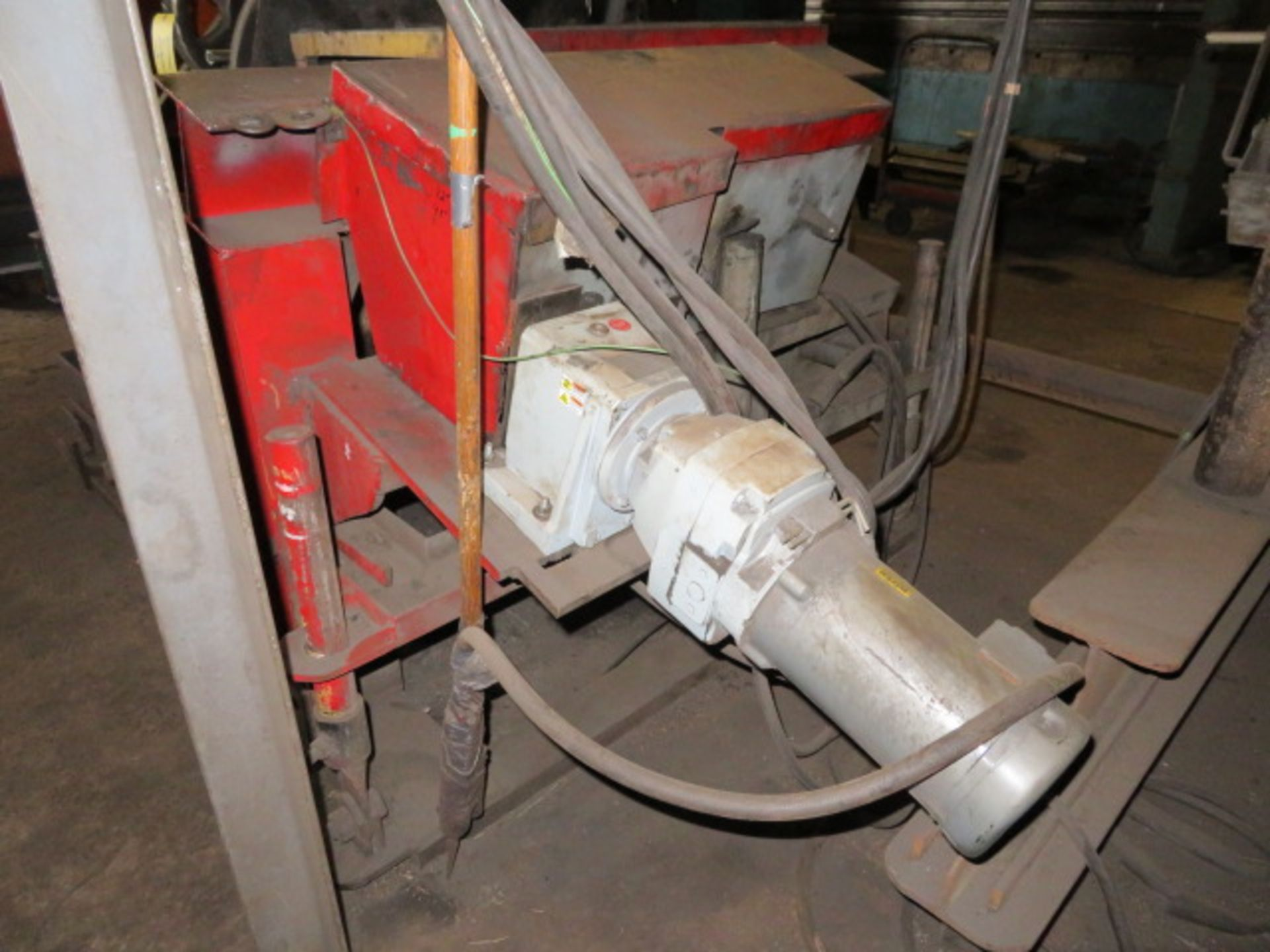 Lot 47 - SUB-ARC WELDING UNIT W/VARIABLE SPEED ROTATING UNIT, MOBILE GANTRY FRAME, LINCOLN NA-3N AUTO WIRE