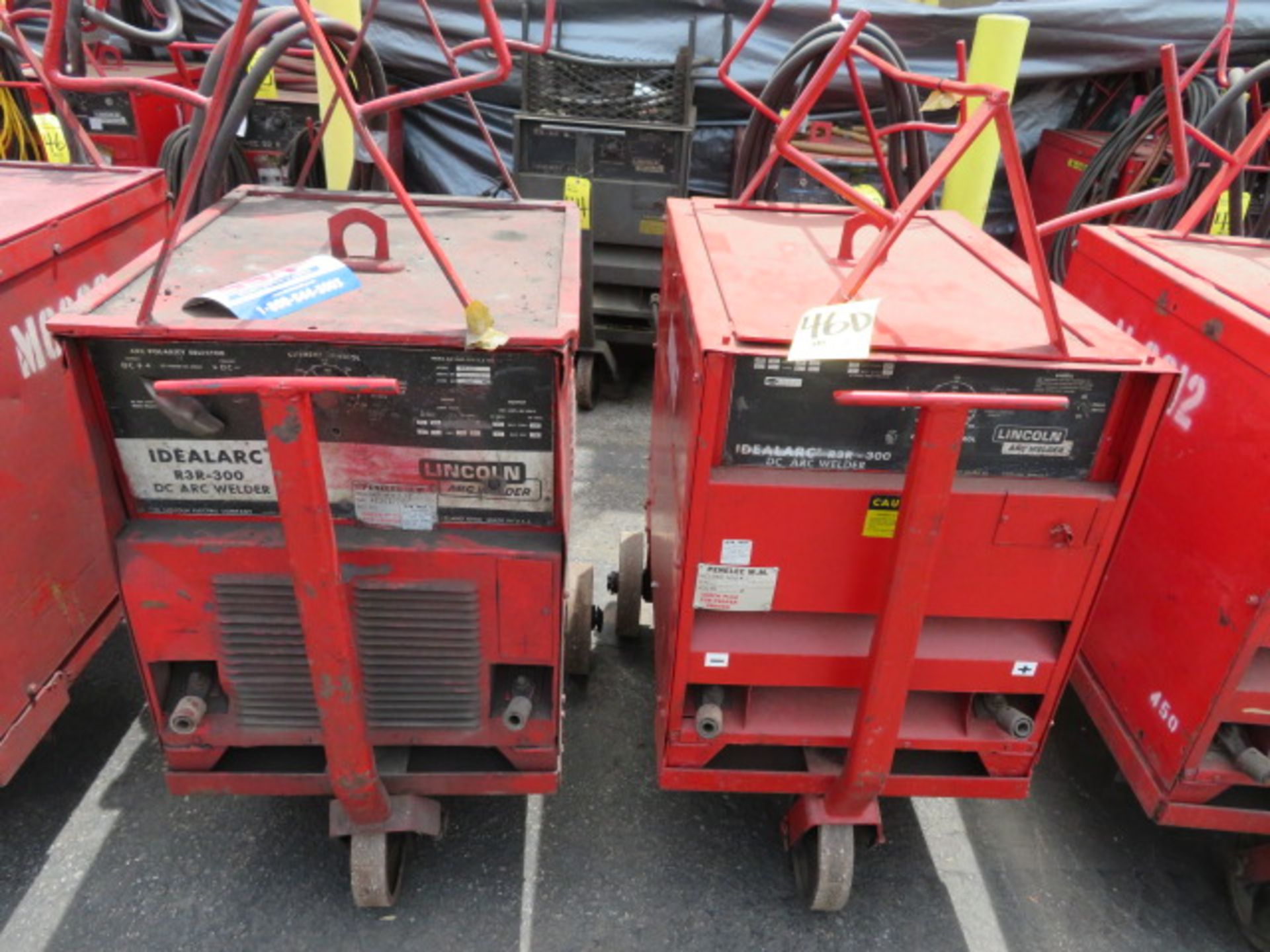 Lot 46D - LINCOLN IDEALARC R3R 300 TIG WELDER W/ CART