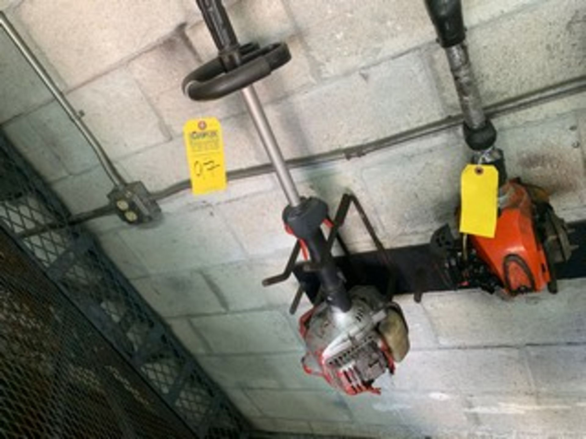 Lot 97 - SHINDAIWA GAS HEDGE TRIMMER