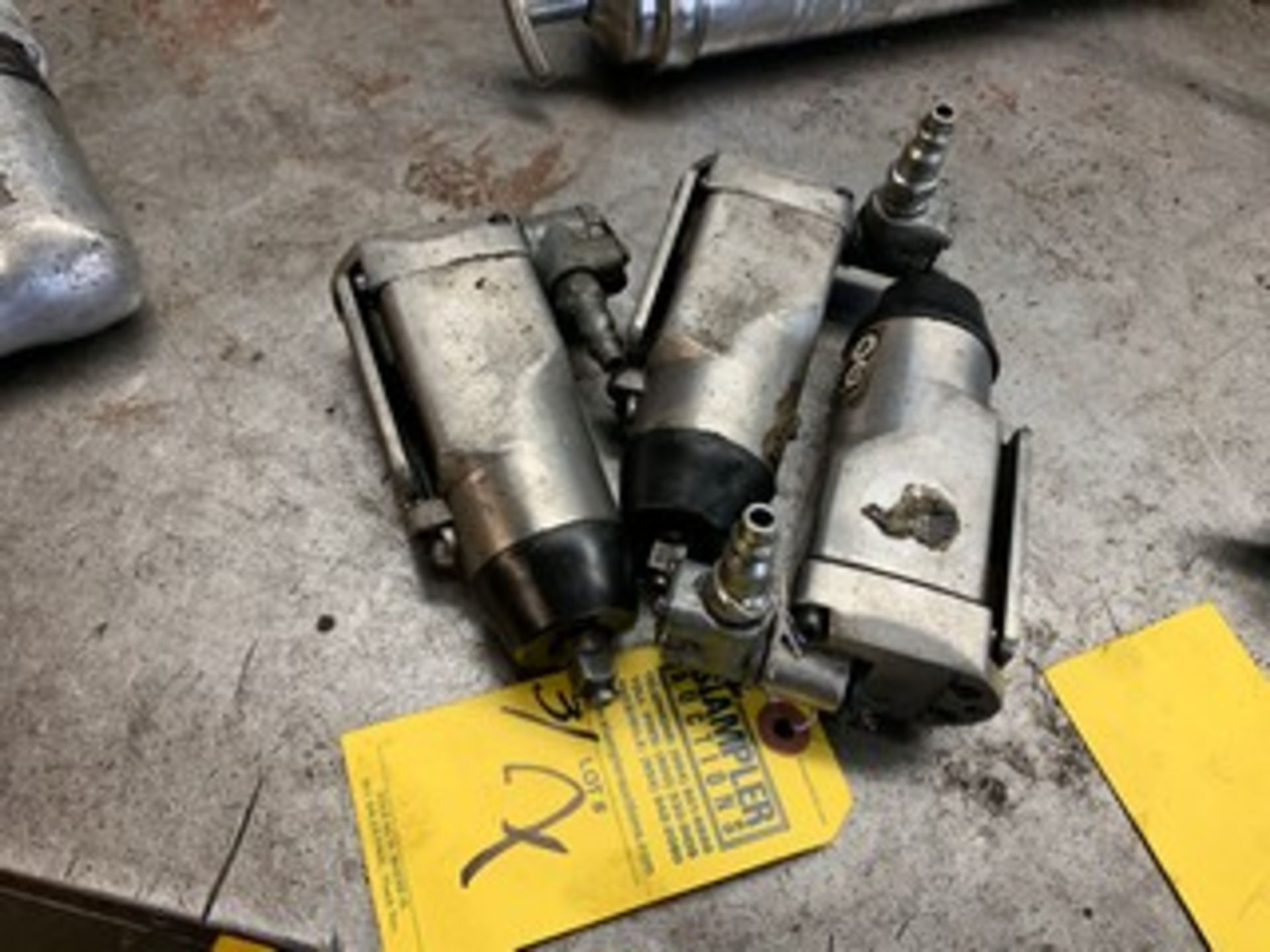 Lot 7 - 3/8'' PNEUMATIC WRENCHES