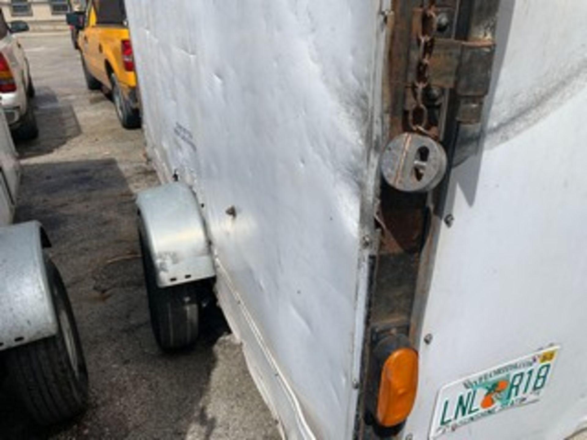 Lot 719 - 2009 SOUTHWEST SW-07X12 ENCLOSED TRAILER - VIN #1S907X1299M982094 - WHITE - SINGLE AXLE - 12' (6)