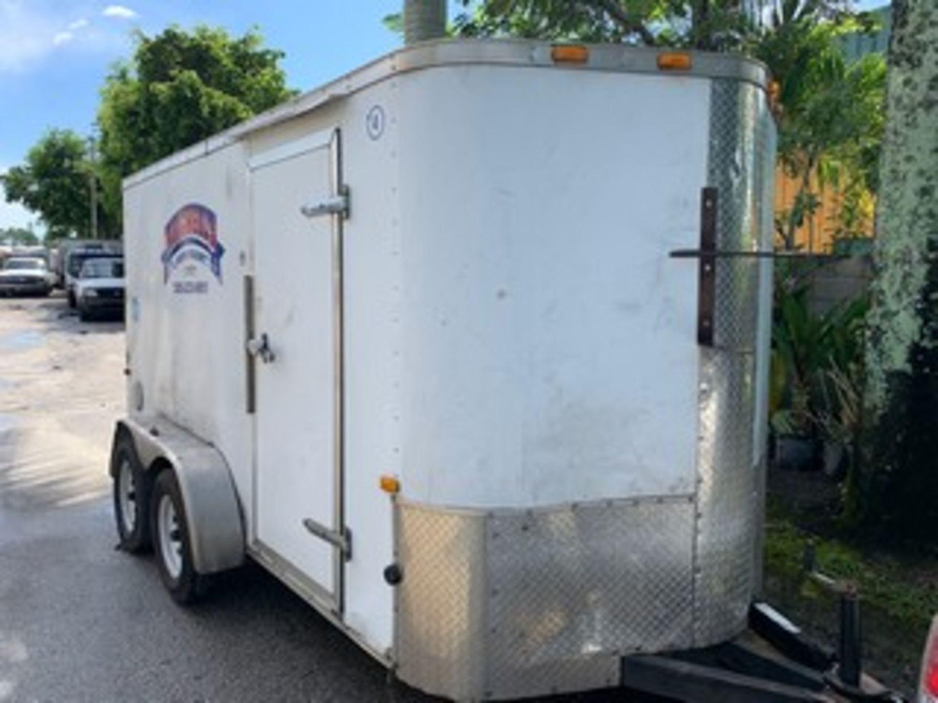 Lot 722 - 2015 CARGO CRAFT ENCLOSED TRAILER - VIN #4D6EB1423FA035676 - WHITE - DUAL AXLE - SIDE DOOR - 18' (4)