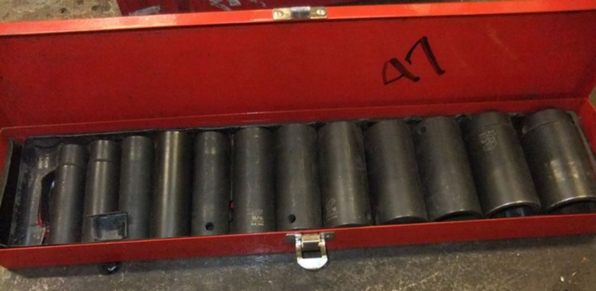 Lot 47 - IMPACT SOCKET SET