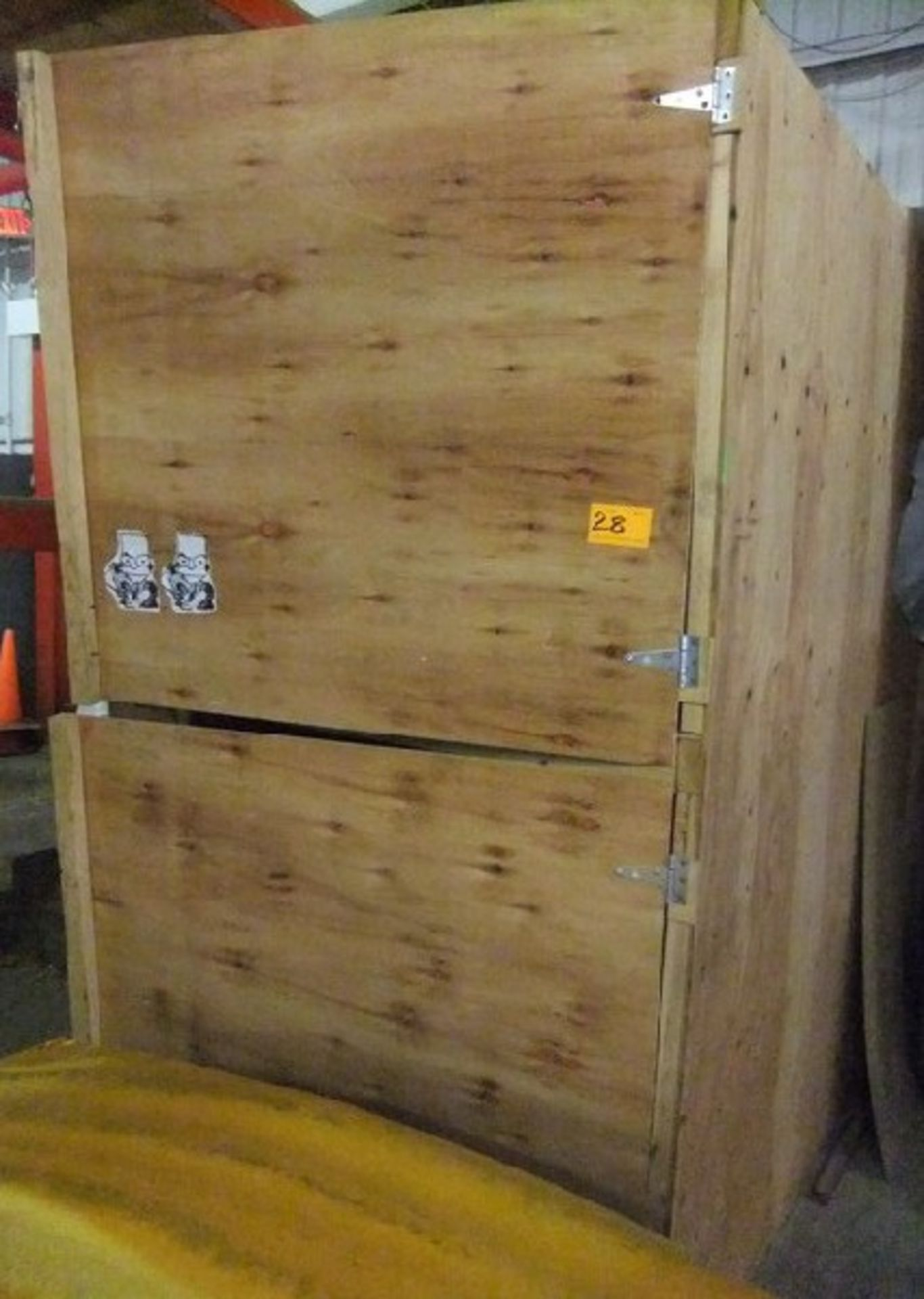 Lot 28 - LOT: LARGE BOX W/ CONTENTS