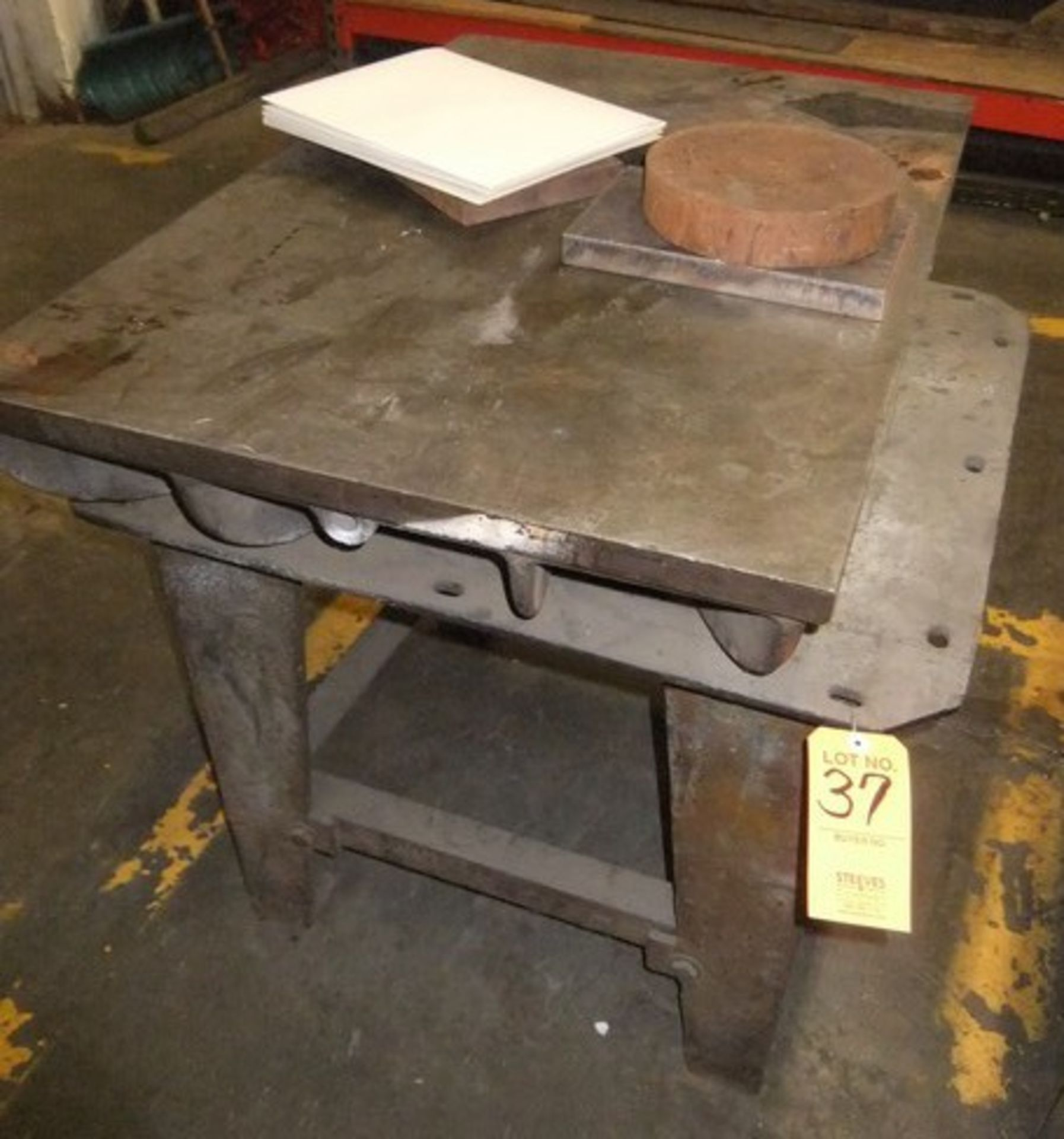 Lot 37 - LOT: SURFACE PLATE & TABLE