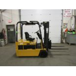 Lot 176 - CAT 4000lbs Capacity 3-wheel Electric Forklift with sideshift and 3-stage mast