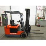 Lot 175 - Toyota 3000lbs Electric Forklift with sideshift & 3-stage mast with non-marking tires - 3-wheel