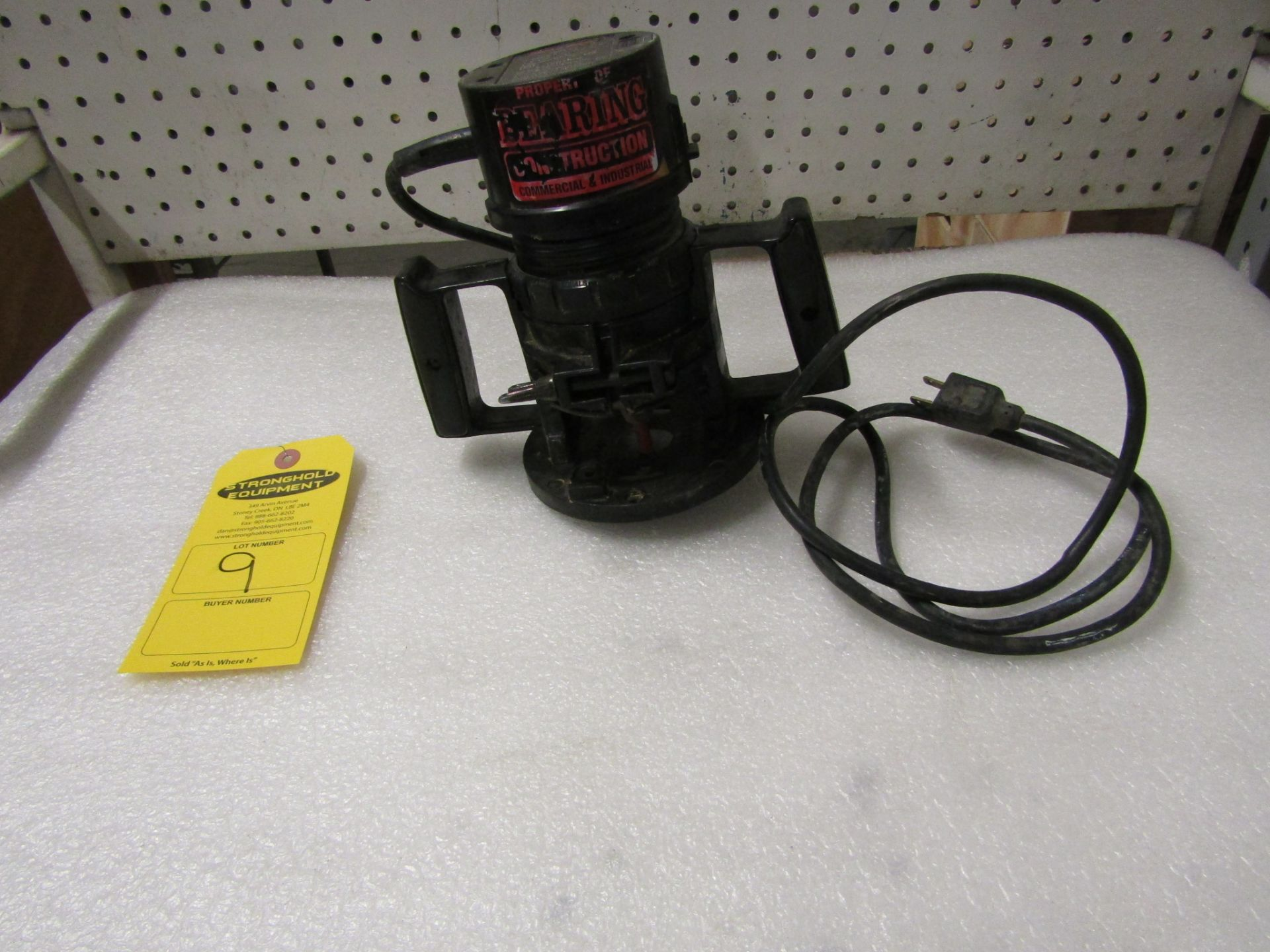 Lot 9 - Black & Decker Router