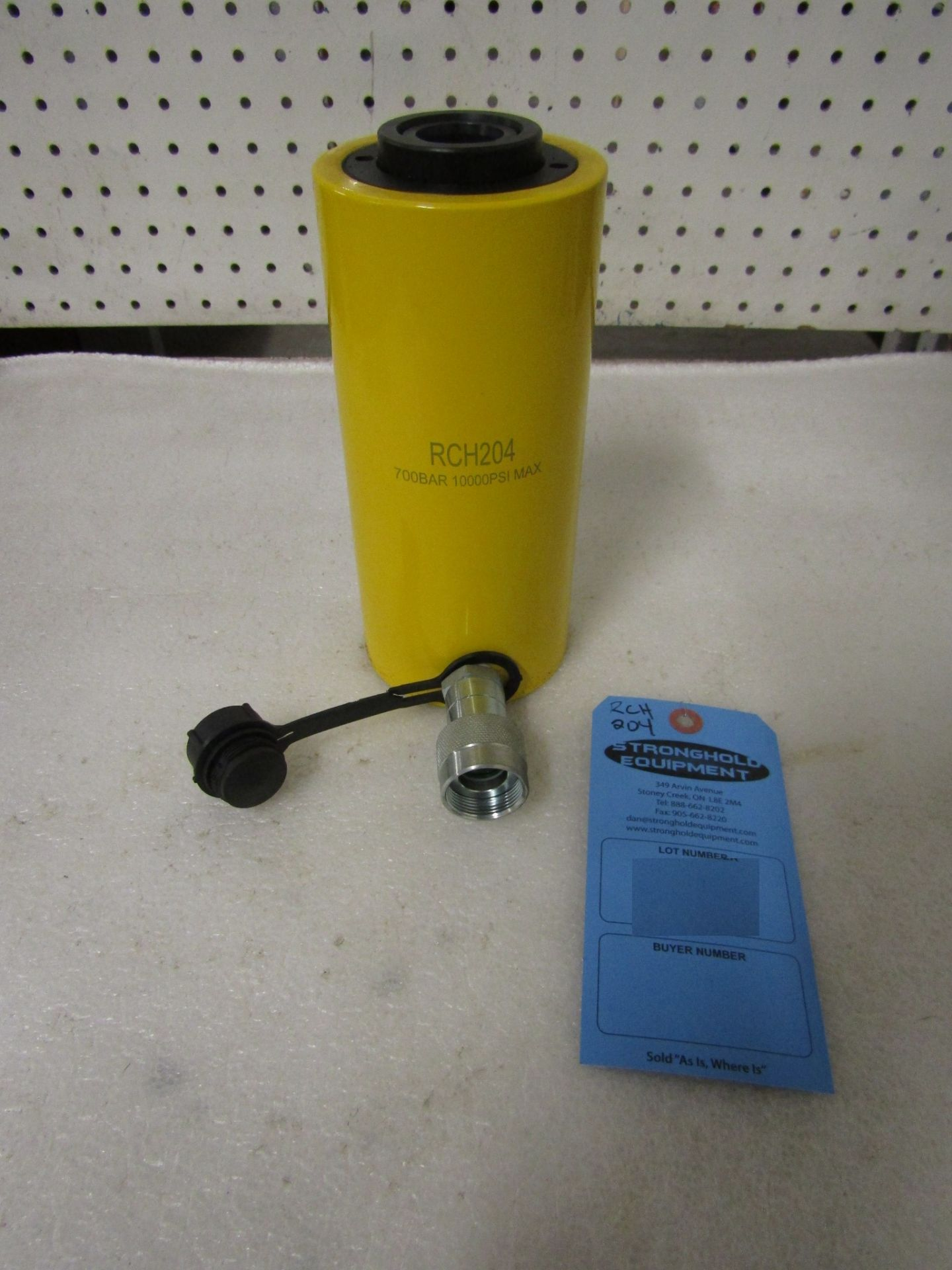 "Lot 50 - RCH-204 MINT Hole Jack - 20 ton Hollow Hydraulic Jack with 4"" stroke - hole through type cylinder"