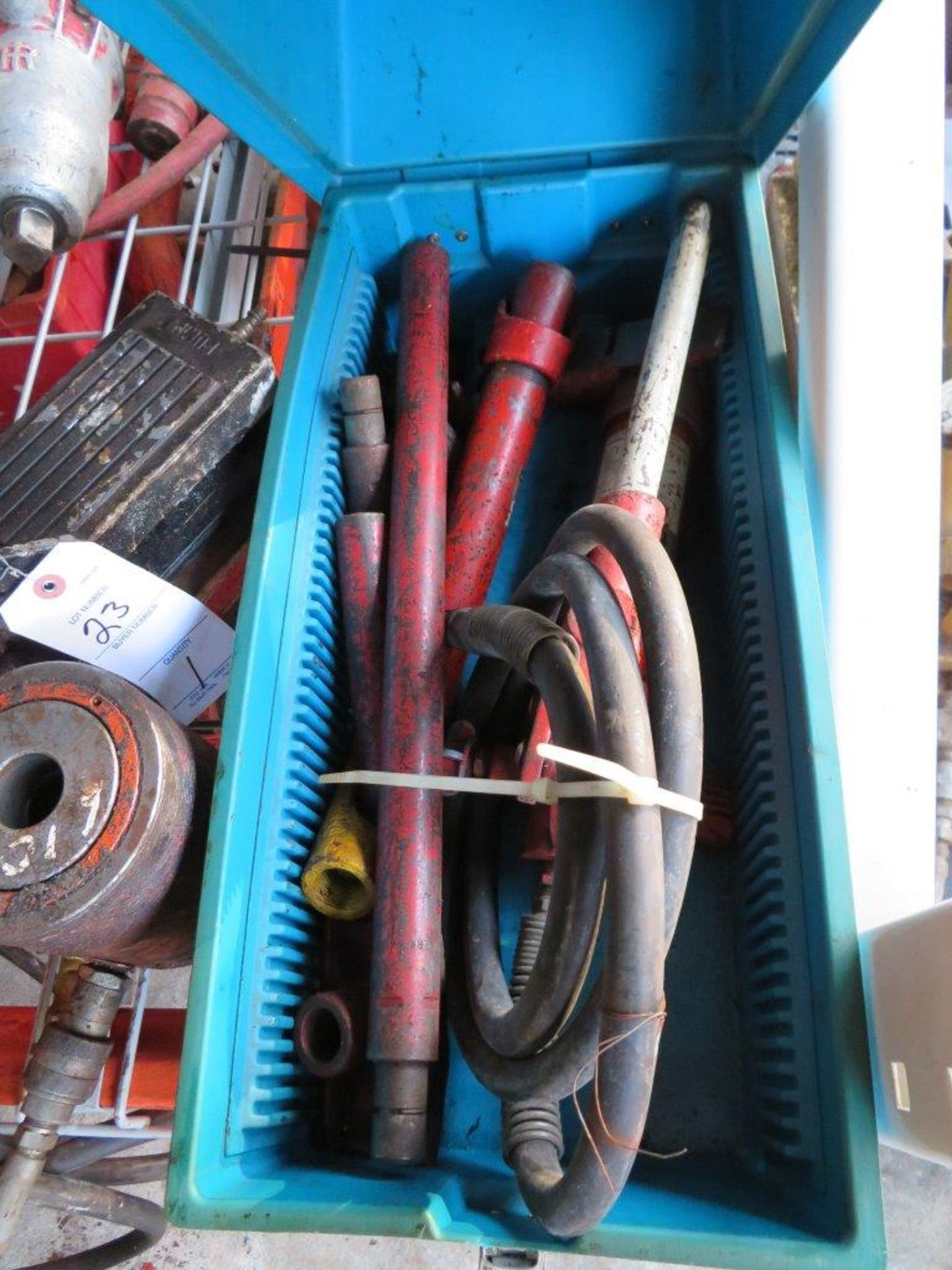 Lot 22 - 4-Ton Porta Power Kit in Plastic case
