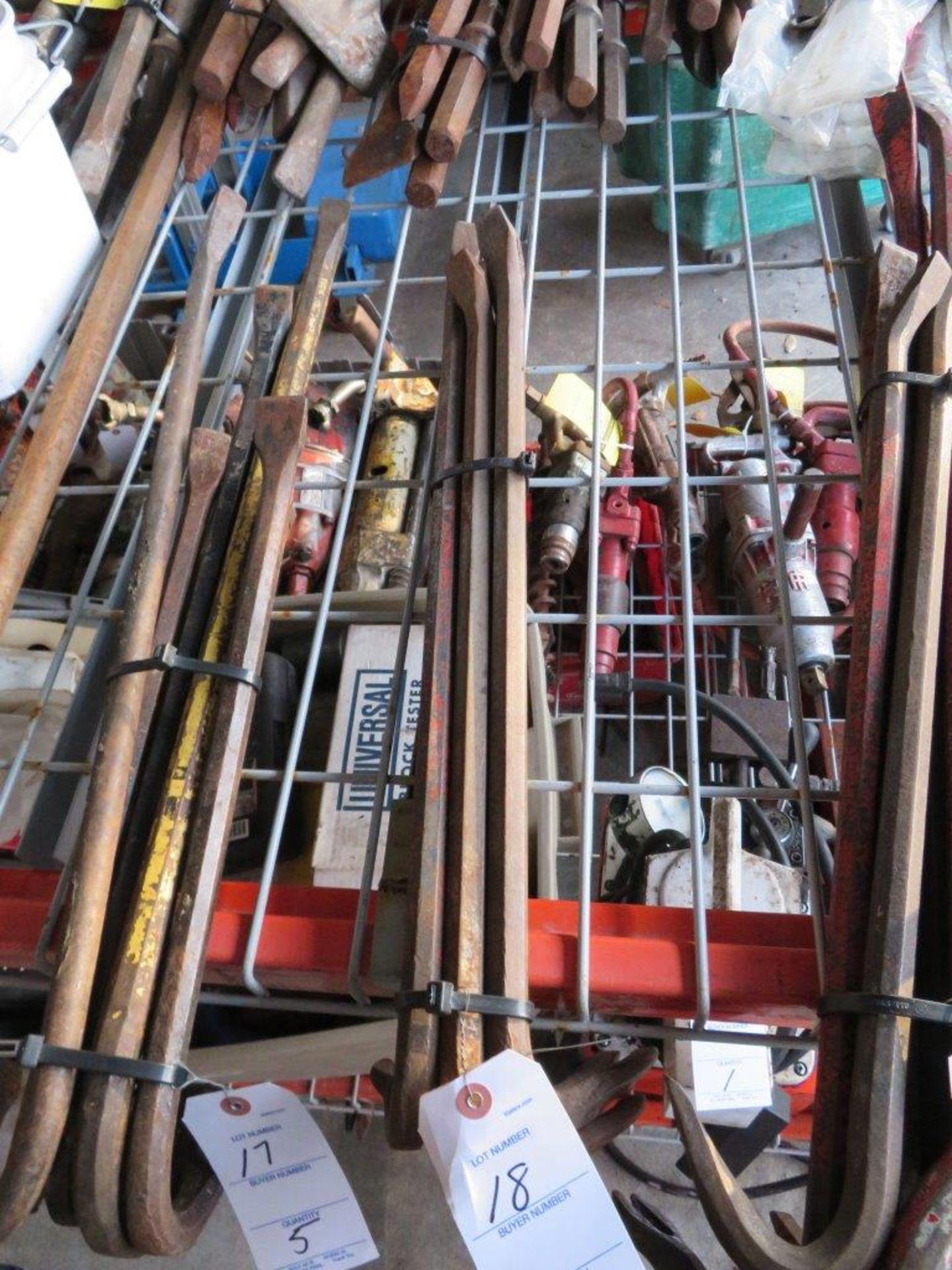 Lot 18 - (5) Crowbars, Pry Bars, assorted