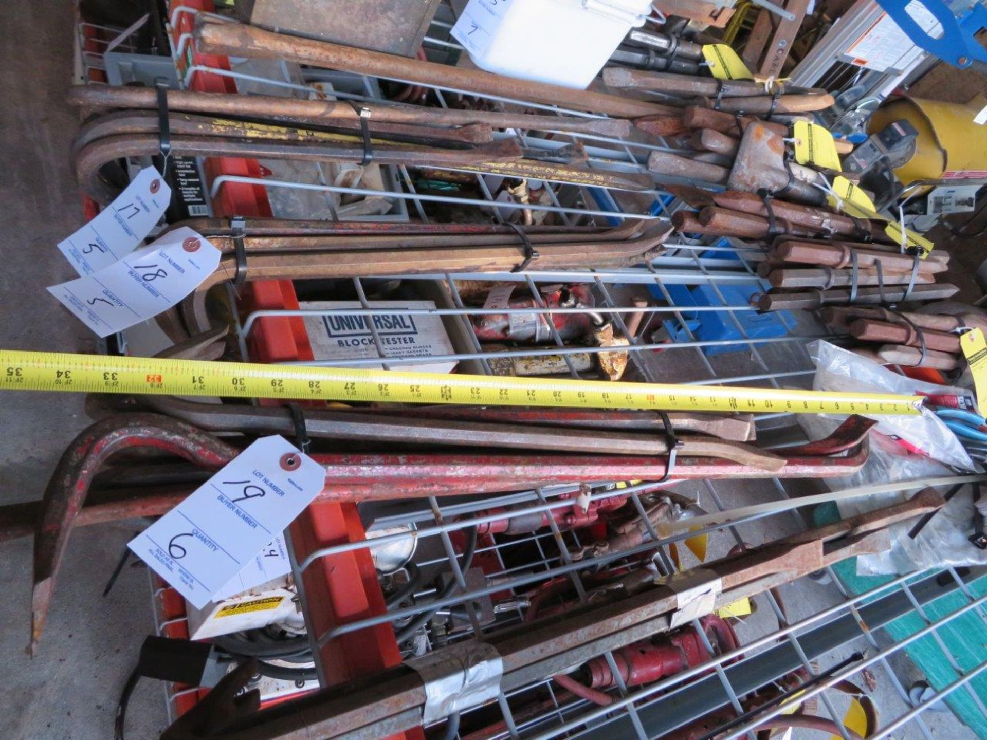 Lot 19 - (6) Crowbars, Pry Bars - Assorted