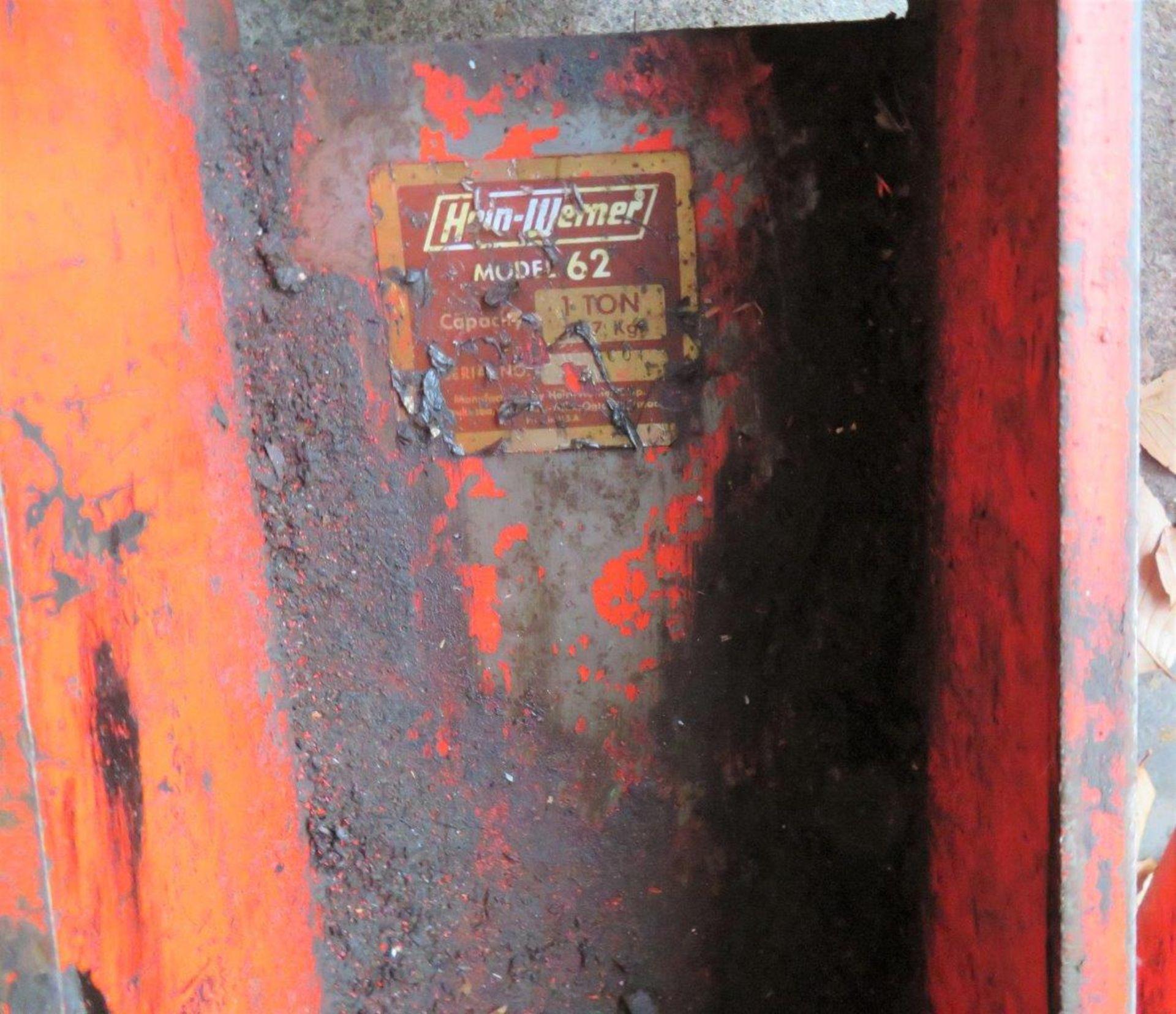 Lot 52 - Hein Werner 1-Ton Transmission Jack Model 10-134