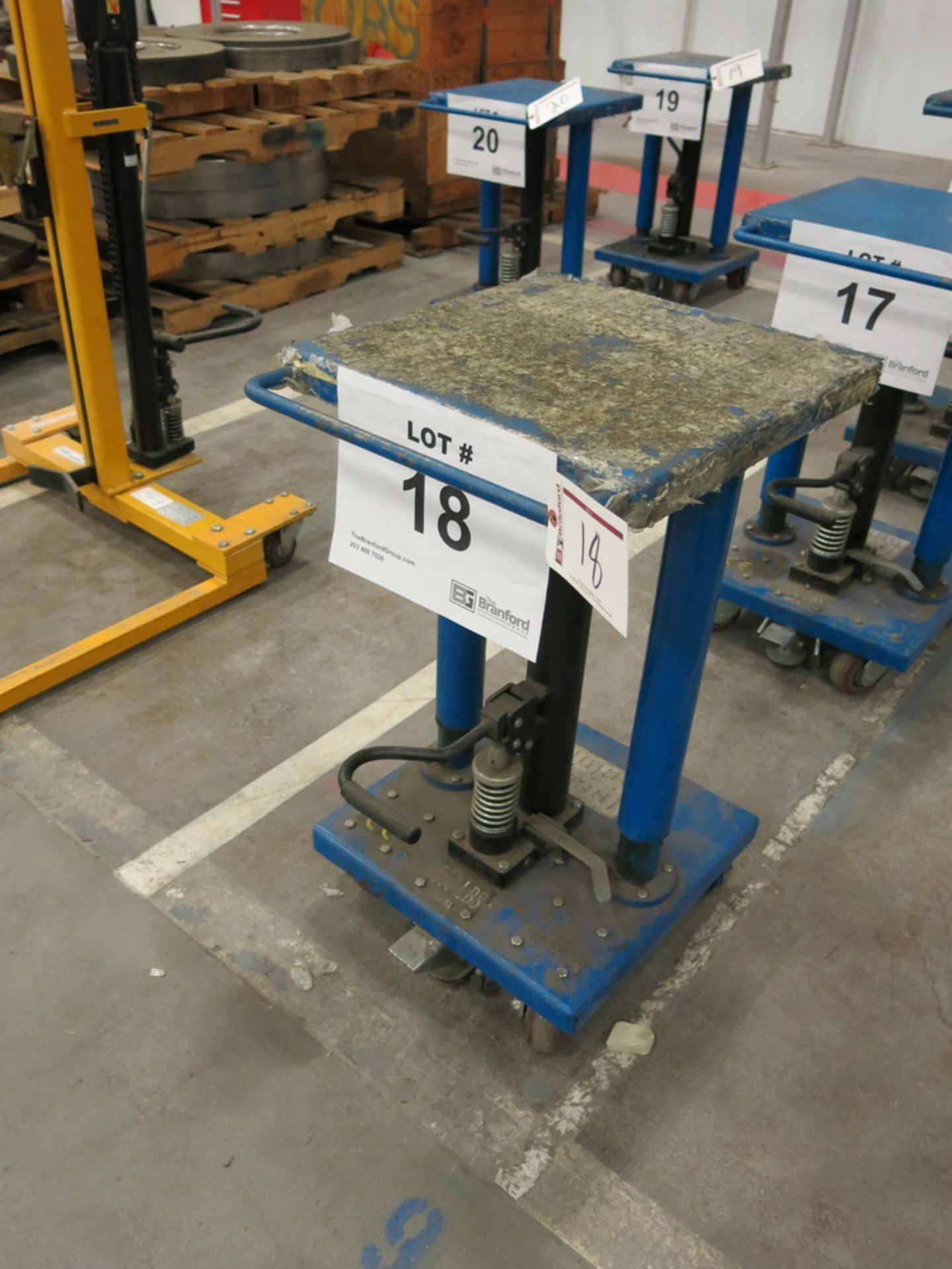 "Lot 18 - 2014 Hydraulic Die Lift Cart, 500 Lb Cap. 18"" x 18"""