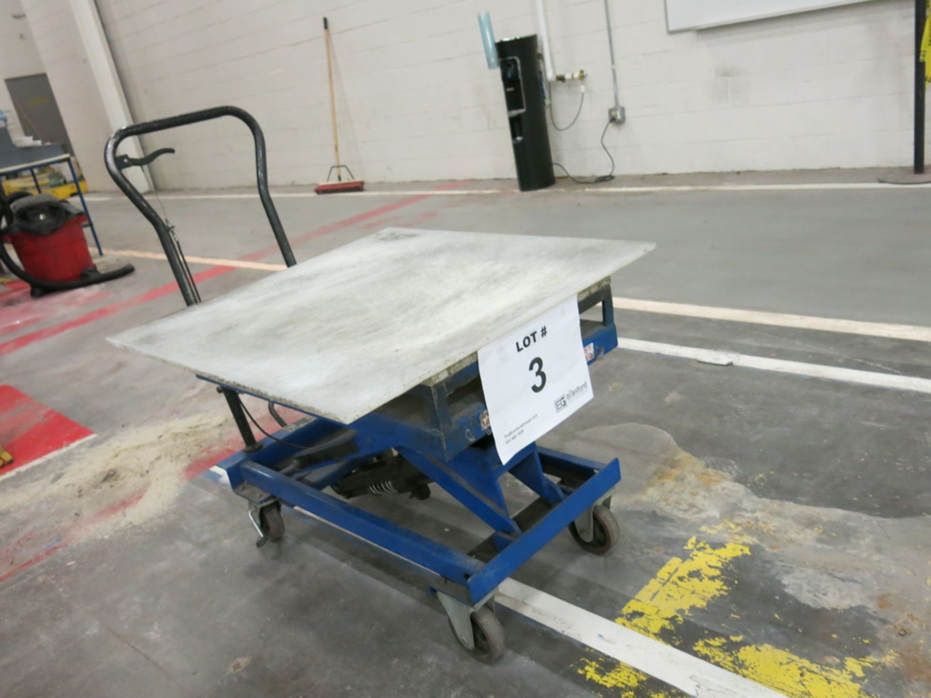 Lot 3 - Lift Table, 1100 lb Cap. Hydraulic Die Lift Cart w/ Polypropylene Top