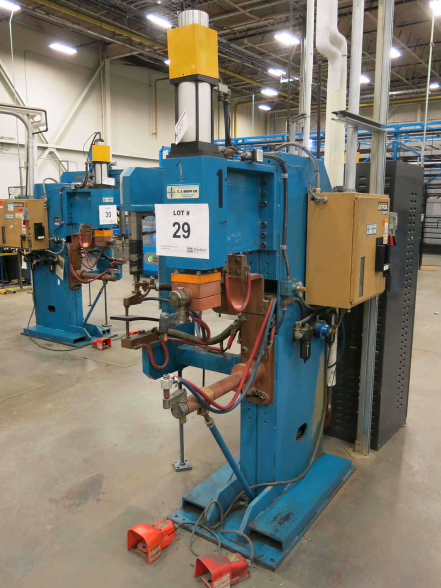 Lot 29 - 2014 T.J. Snow 100 KVA @ 50 Percent M.F.D.C. Dual Head Spot Welder