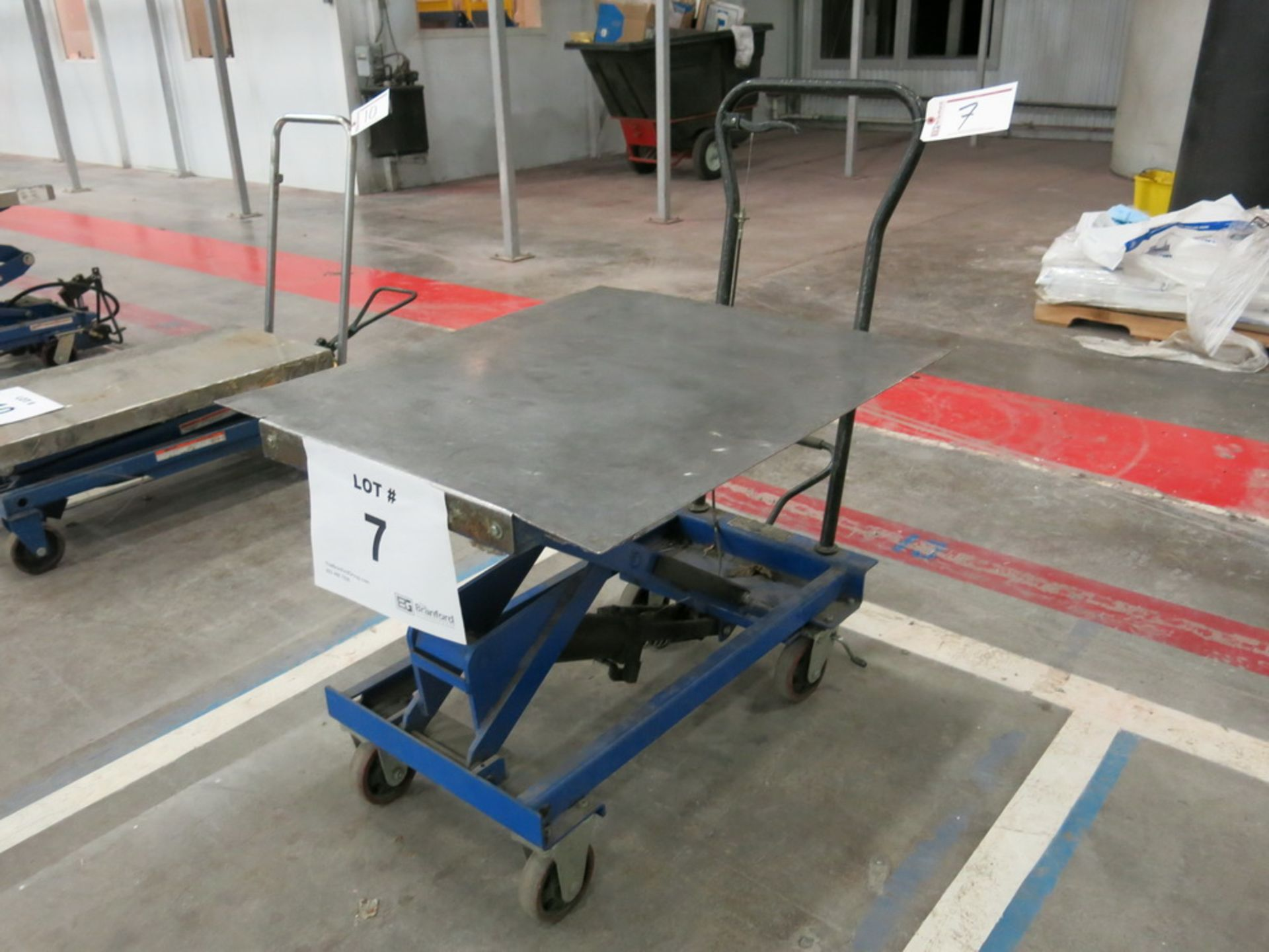 Lot 7 - Lift Table, 1100 lb Cap. Steel Topped Die Lift Cart