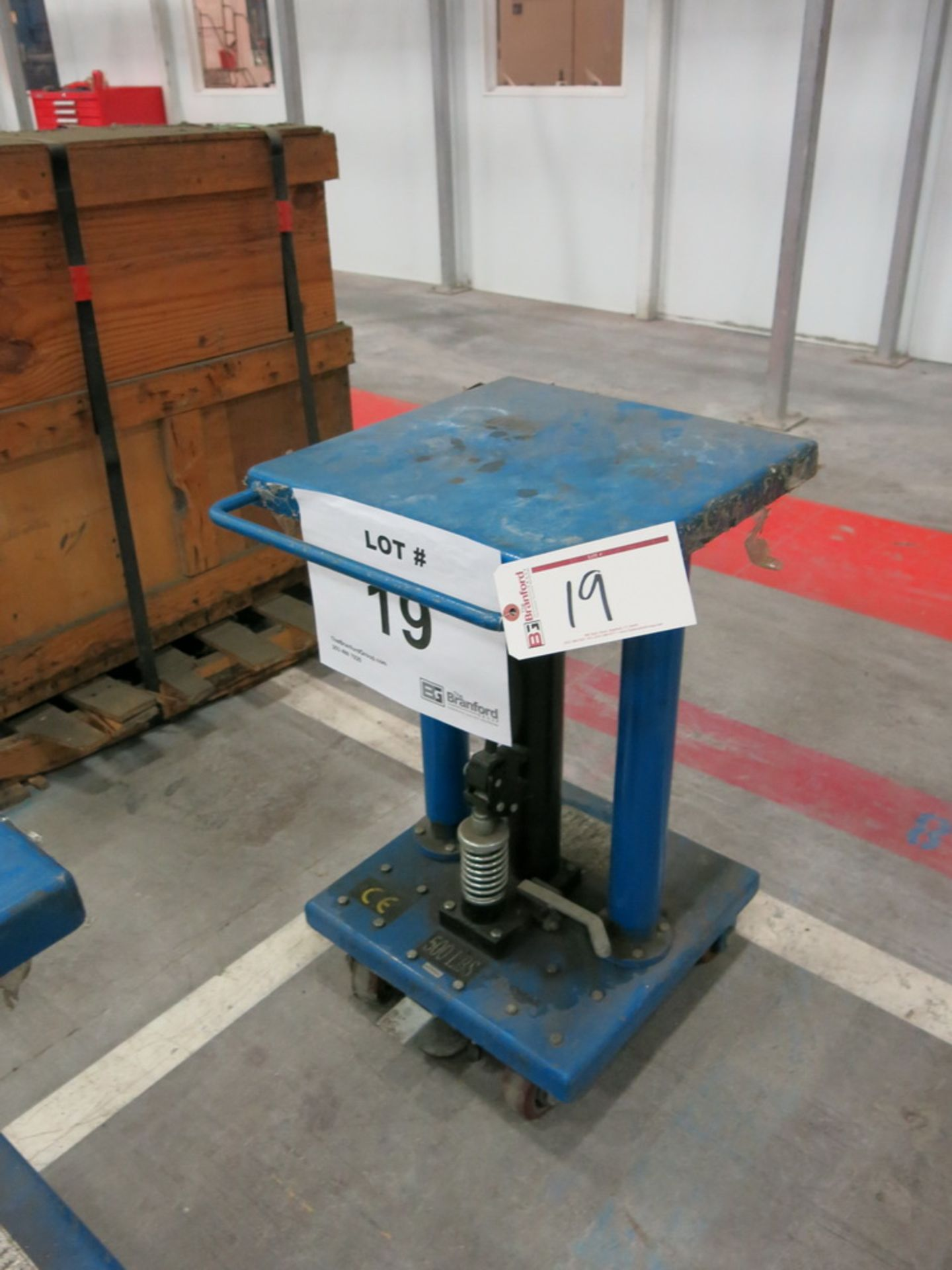 "Lot 19 - 2014 Hydraulic Die Lift Cart, 500 Lb Cap. 18"" x 18"""
