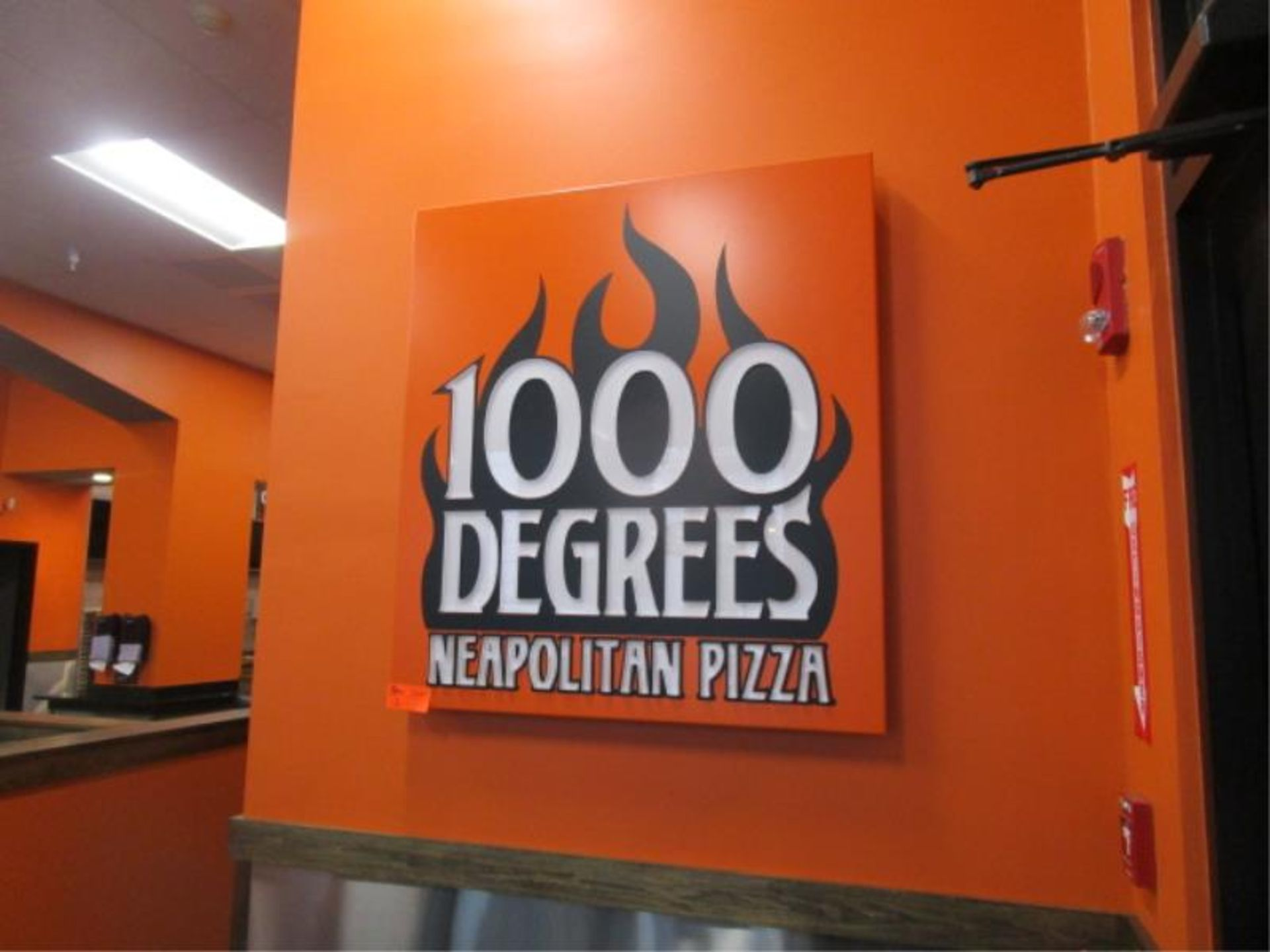 """Lot 12 - Wall Mounted Sign, """" 1000 Degree Neapolitan Pizza"""""""