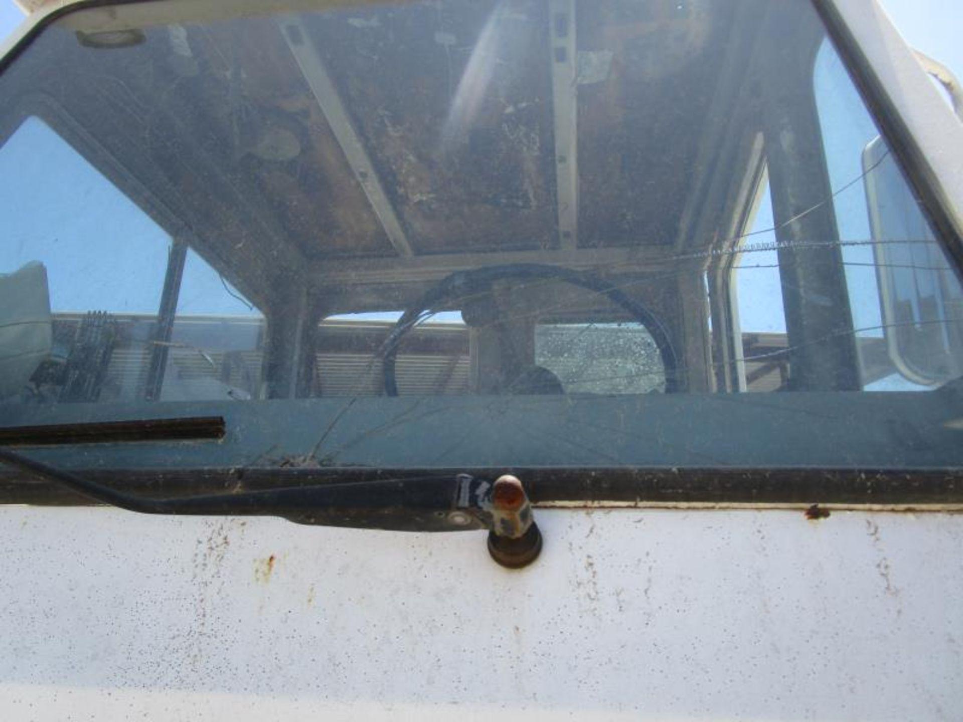 Yard truck by Ottawa truck model# 30 SN: 65044390 engine hours 8,164 - Image 3 of 8