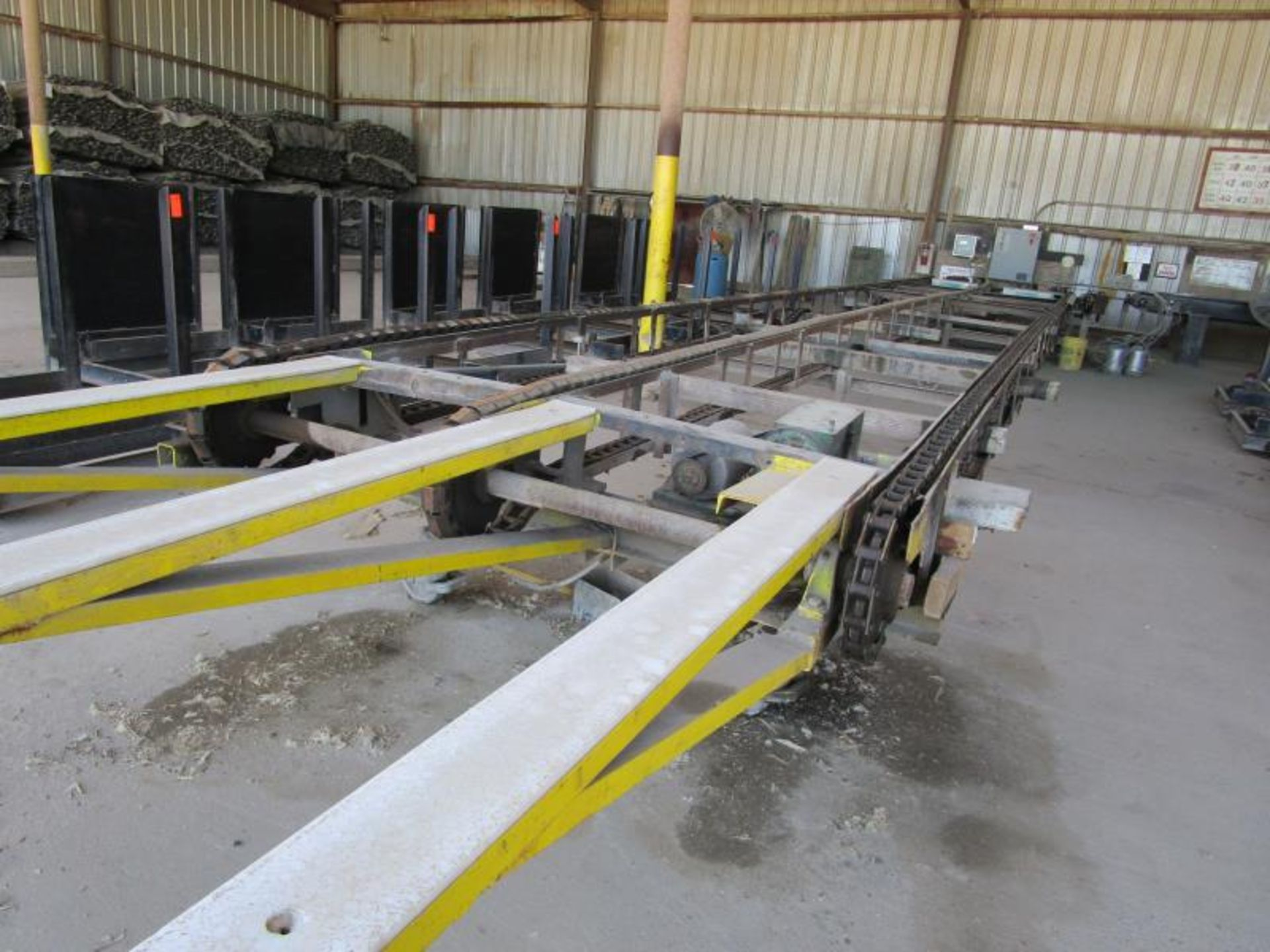 "Lot 27 - Chain Deck with FMI in-line moisture detection by brookhuis m"" 600mm, type transver =1, 6'w x 41'"