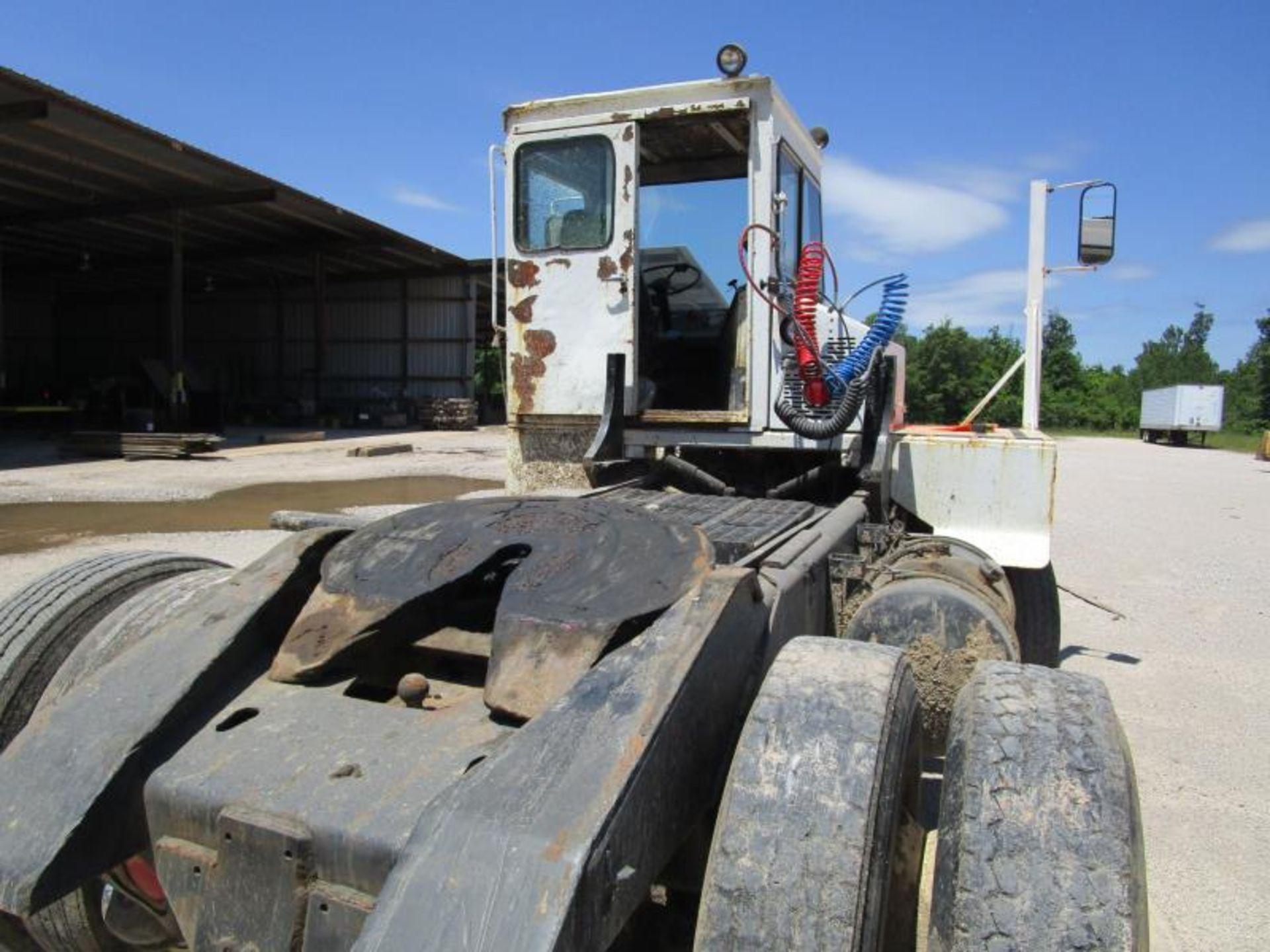Yard truck by Ottawa truck model# 30 SN: 65044390 engine hours 8,164 - Image 5 of 8