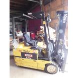 Lotto 10 - Yale Model ERP040TGN36SF082 Fork Lift, s/n E807N020055X, Electric, Needs Battery, 3,700 Lb.
