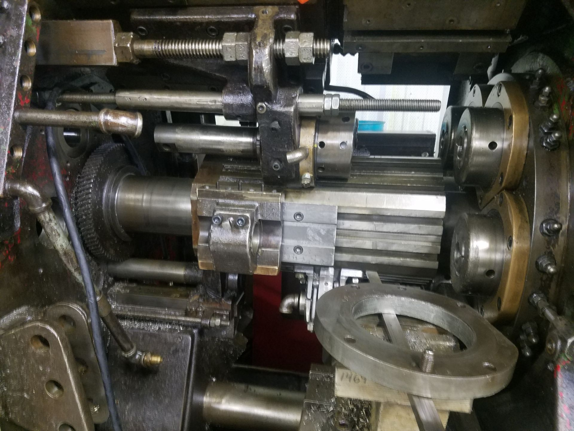 Lotto 34 - Acme Gridley RB6 Automatic Screw Machine, s/n 41397, 1 5/8 In., Chucker, 6 Spindle, Loading Fee