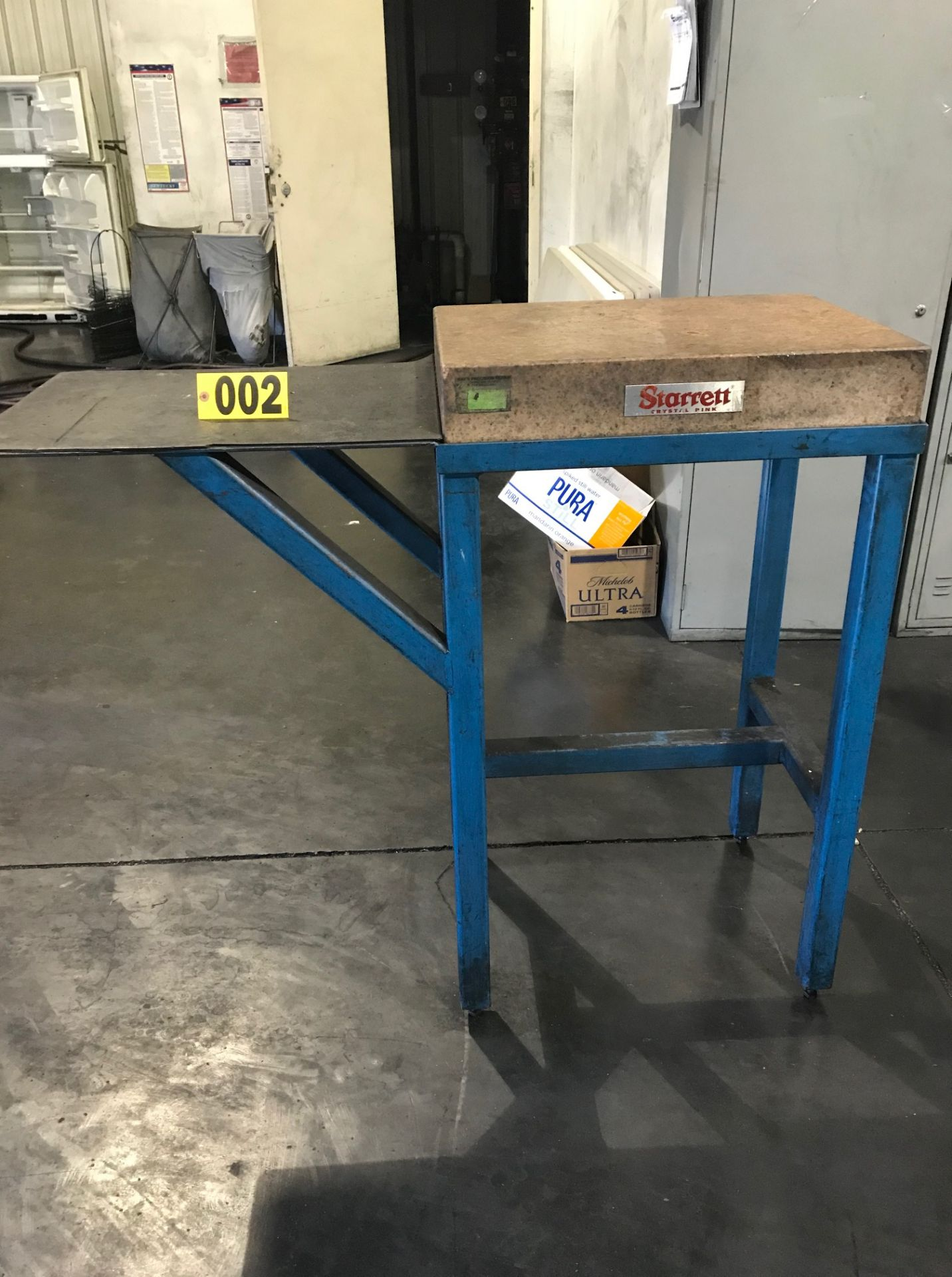 Lot 2 - Starrett surface plate 18in x 2ft, w/ stand
