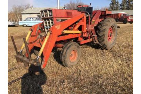 1981 IHC 786 tractor, dsl, dual hyds, dual pto, approx  5000hrs (hr