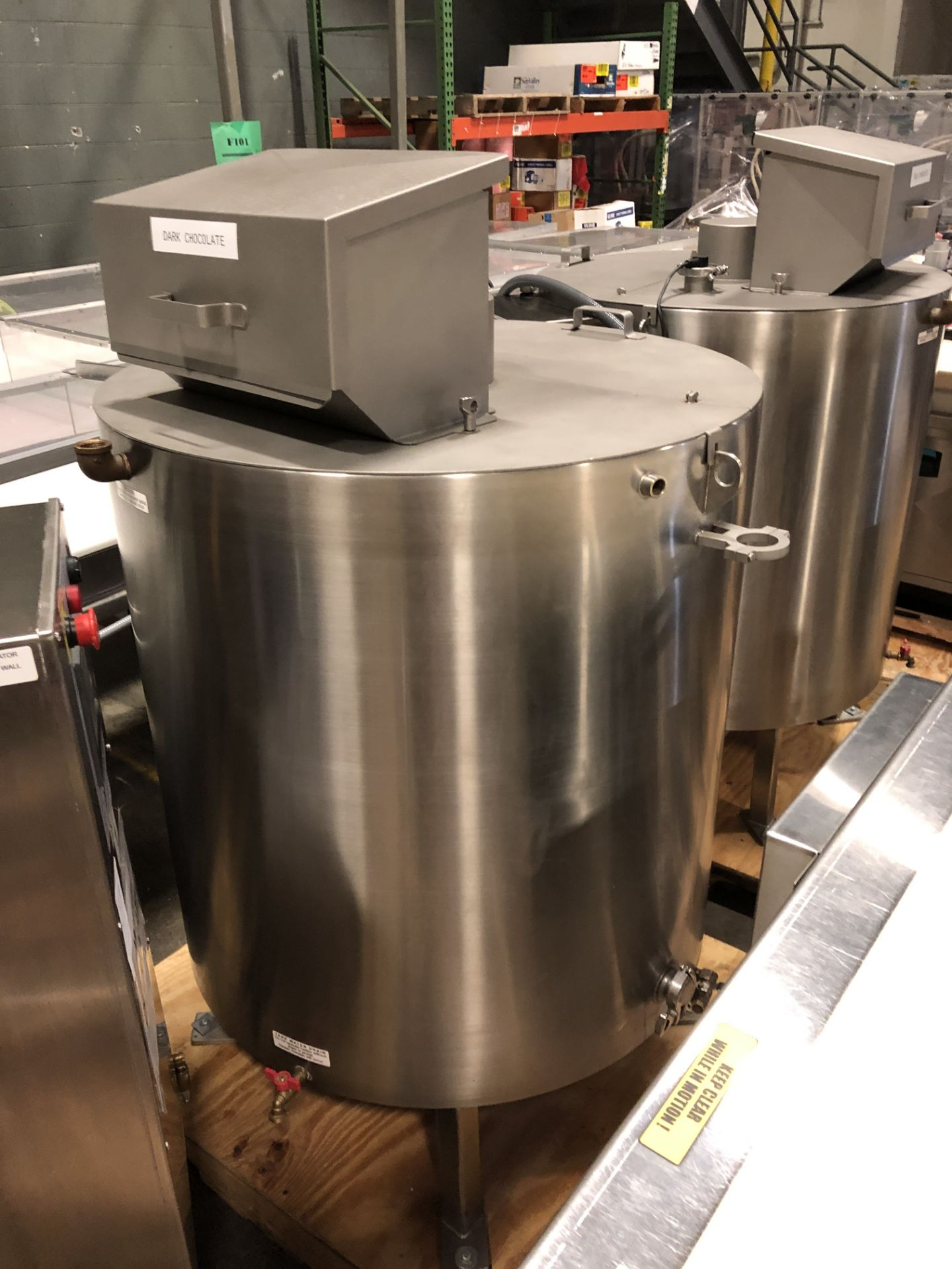Lot 42 - Savage Stainless Steel 1250-lb Chocolate Melter, model 0974-36, with PLC touchscreen controls,