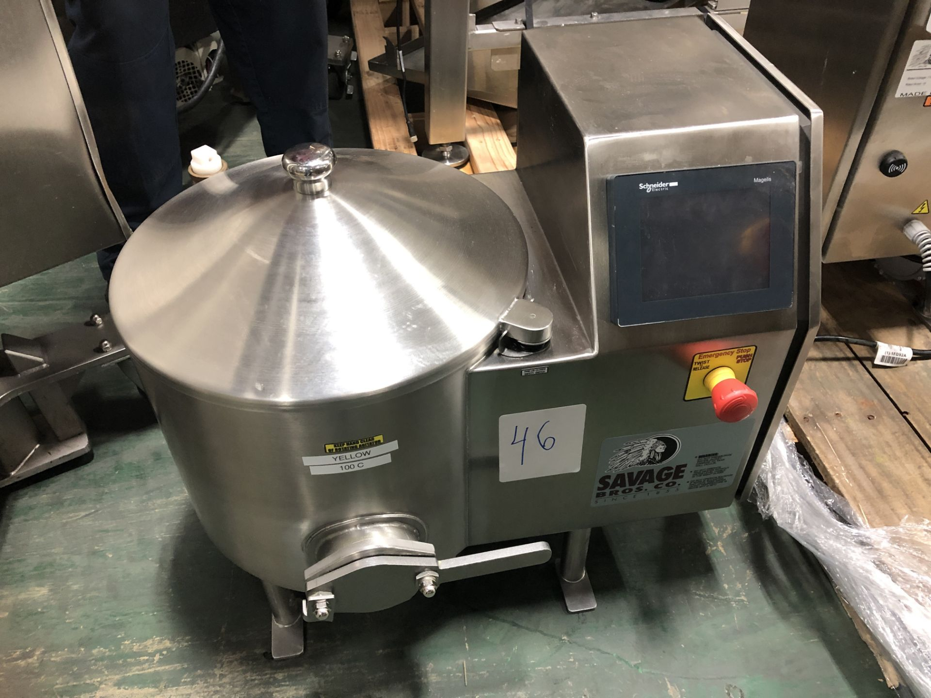 Lot 34 - Savage 50-lb Stainless Steel Chocolate Melter, model 0934-40, jacketed and agitated, electrically